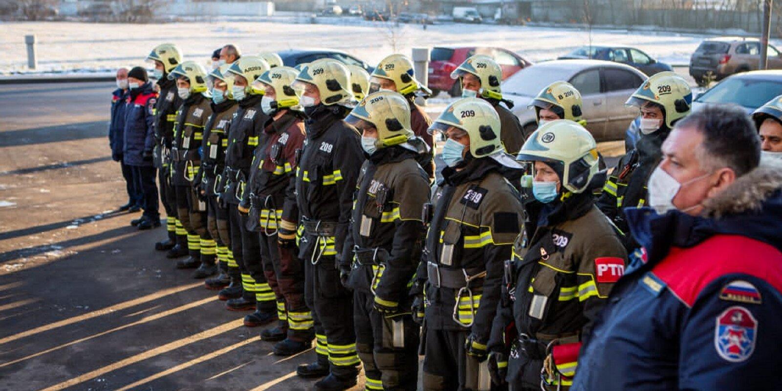 В Пожарно-спасательном центре установили мемориальную доску имени полковника Жебелева