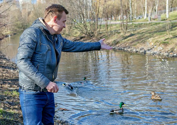 На фото член комиссии Московской городской Думы по экологической политике Игорь Бускин