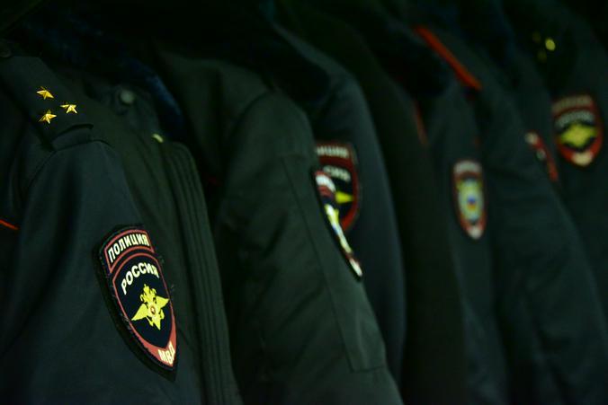 Полицейские УВД по ЮАО задержали подозреваемых в покушении на сбыт наркотического средства. Фото: Антон Гердо, «Вечерняя Москва»