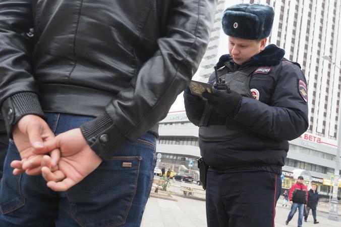 Полицейские УВД Южного округа столицы задержали подозреваемого в мошенничестве