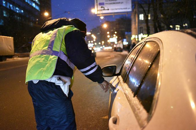 На юге столицы полицейские задержали подозреваемую в сбыте поддельной денежной купюры. Фото: Пелагия Замятина, «Вечерняя Москва»