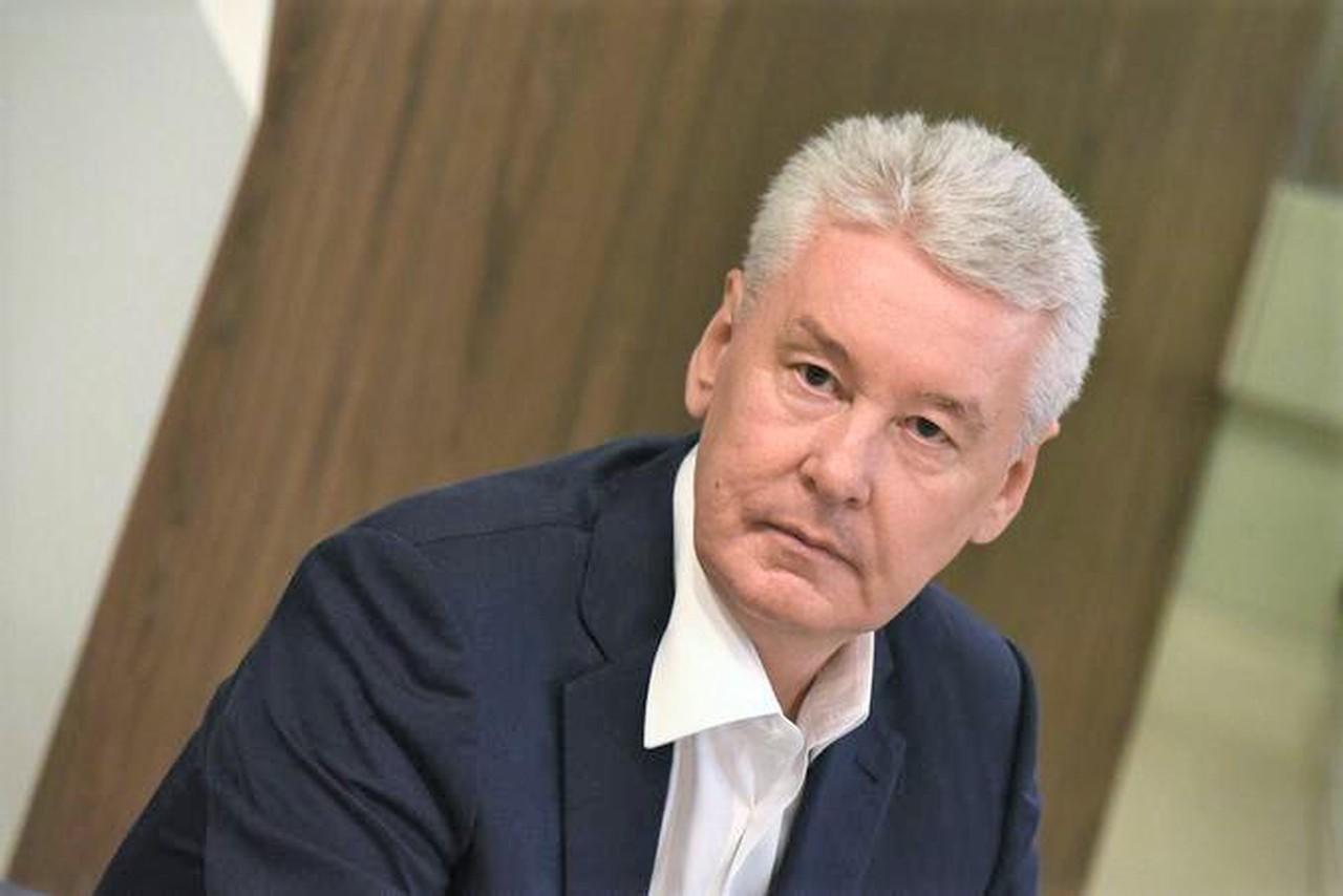 Собянин осмотрел заселяемую по программе реновации новостройку в ЗАО