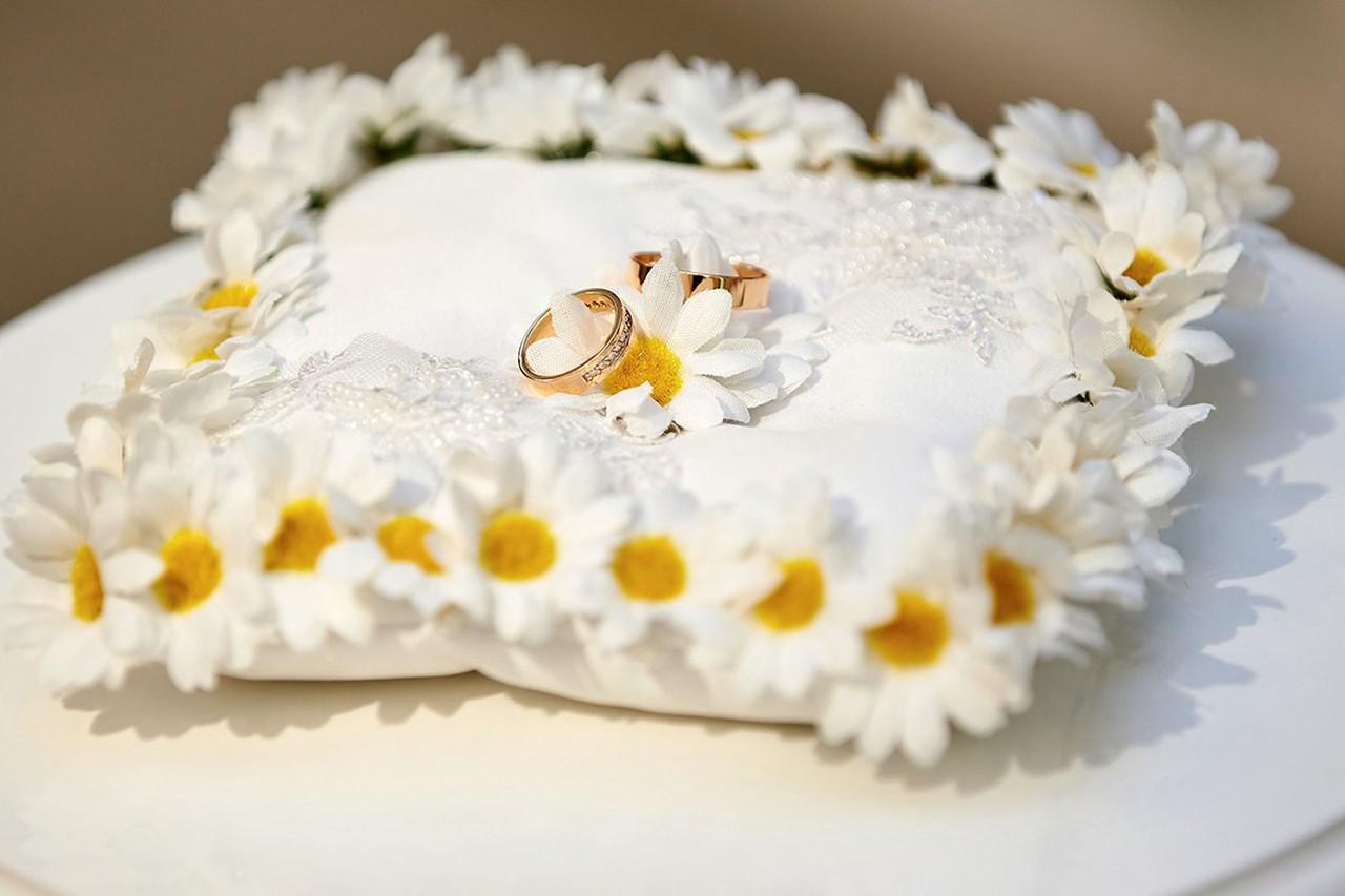 Более 1 200 влюбленных подали онлайн-заявления о заключении бракав новогодние праздники