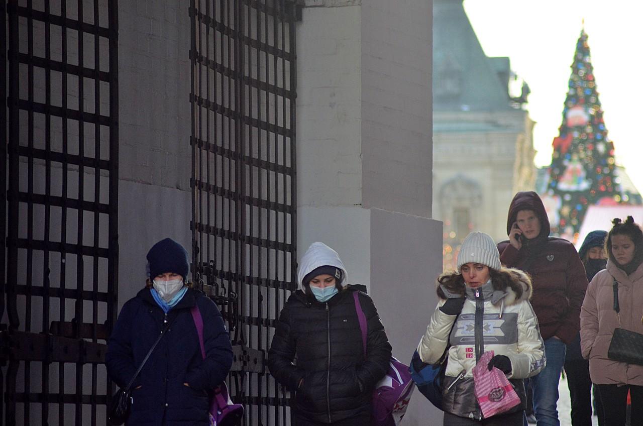 Синоптики пообещали москвичам морозы и снег. Фото: Анна Быкова