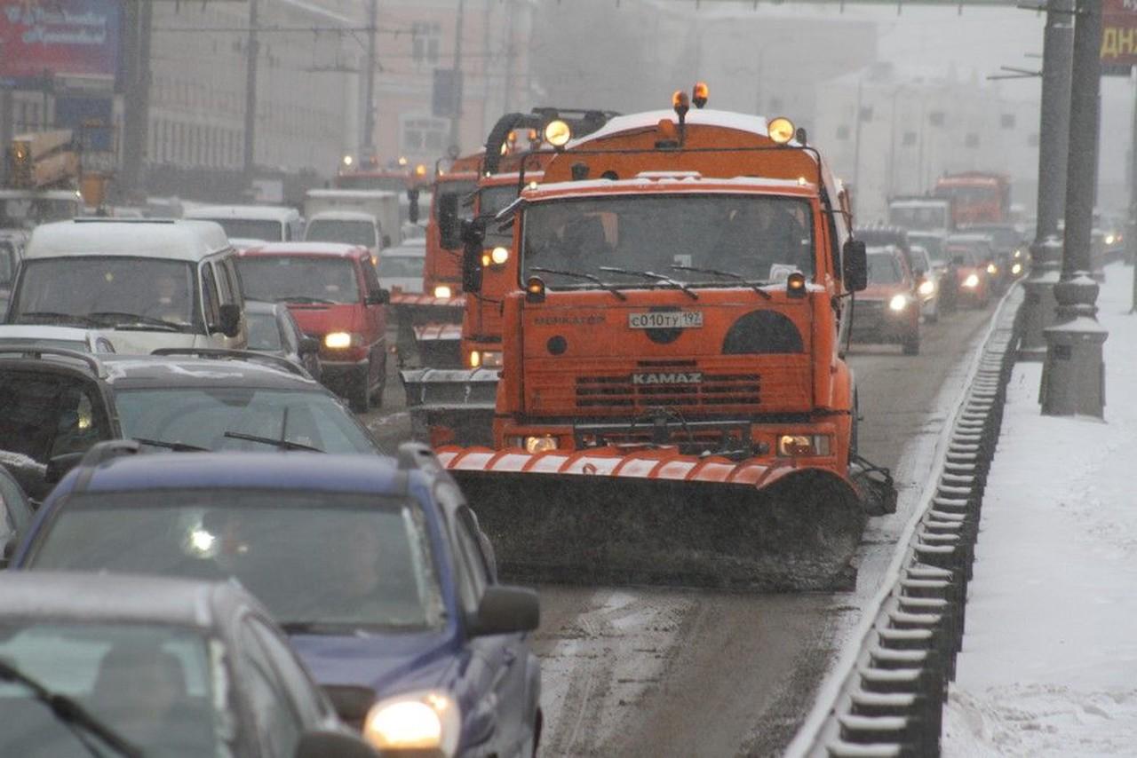 Московских водителей призвали соблюдать дистанцию из-за гололедицы