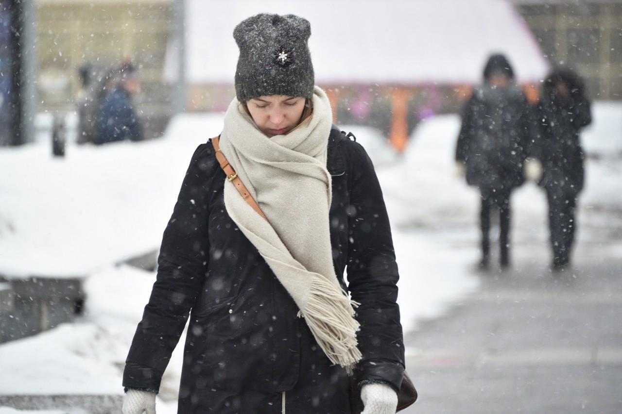 Москвичей предупредили о метели и ветре