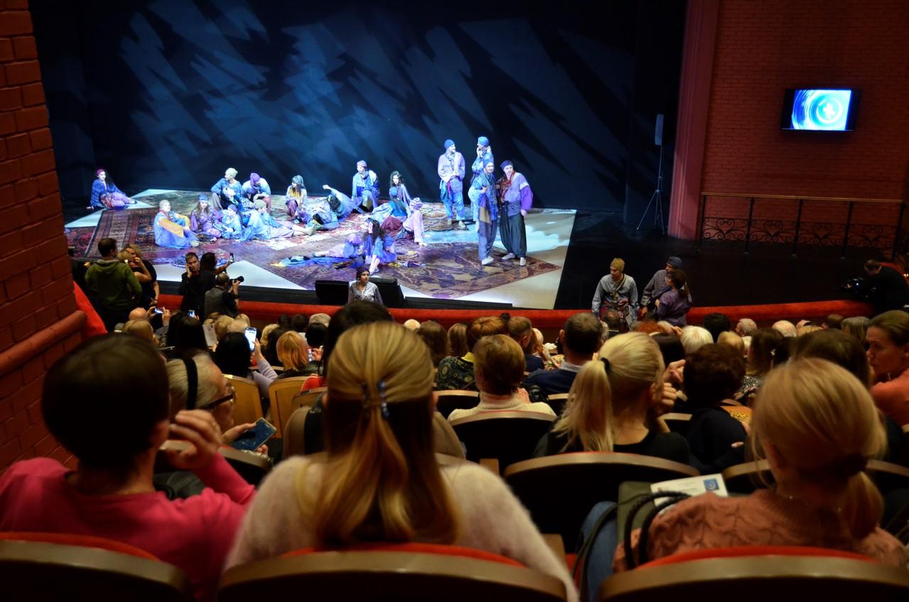 Викторину ко Дню театра представили парламентарии Орехова-Борисова Южного