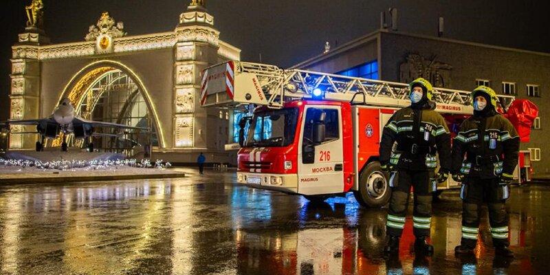 Московские пожарные обеспечили безопасность населения в новогоднюю ночь