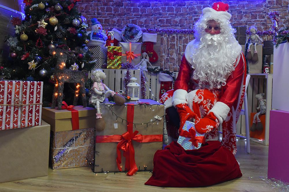 Определен лучший Дед Мороз онлайн-конкурса «Московского долголетия». Фото: Александр Кожохин, «Вечерняя Москва»