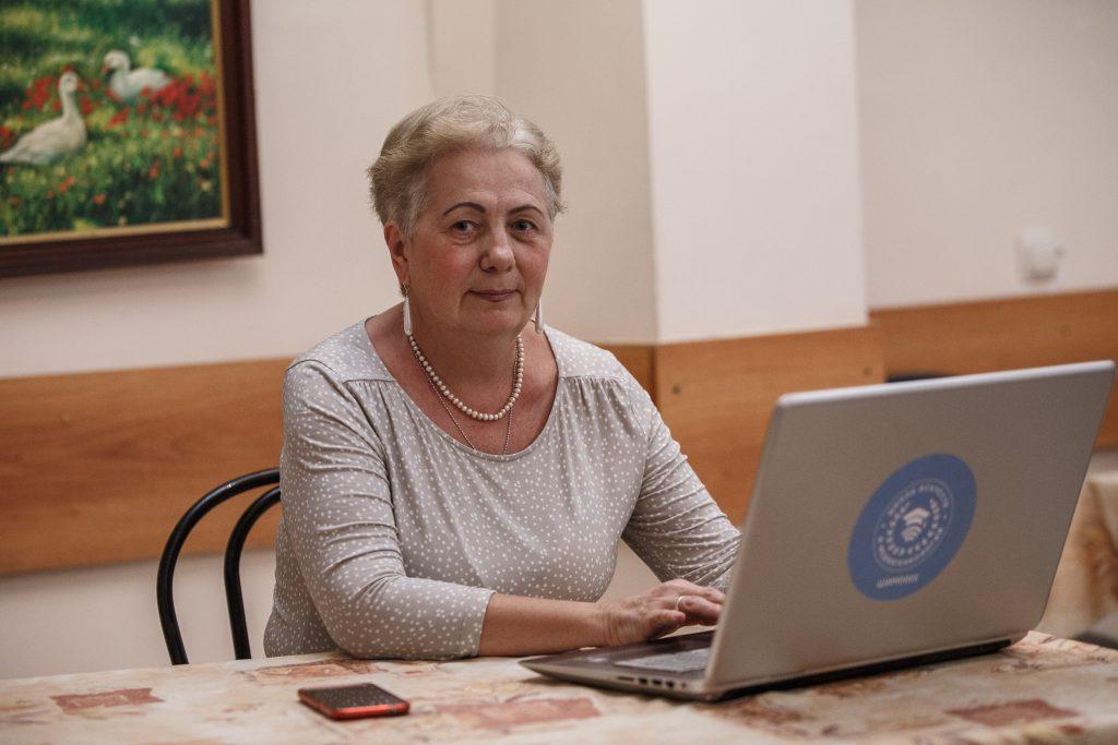 Онлайн-группы проекта «Московское долголетие» будут работать в новогодние каникулы. Фото: Михаил Подобед,«Вечерняя Москва»