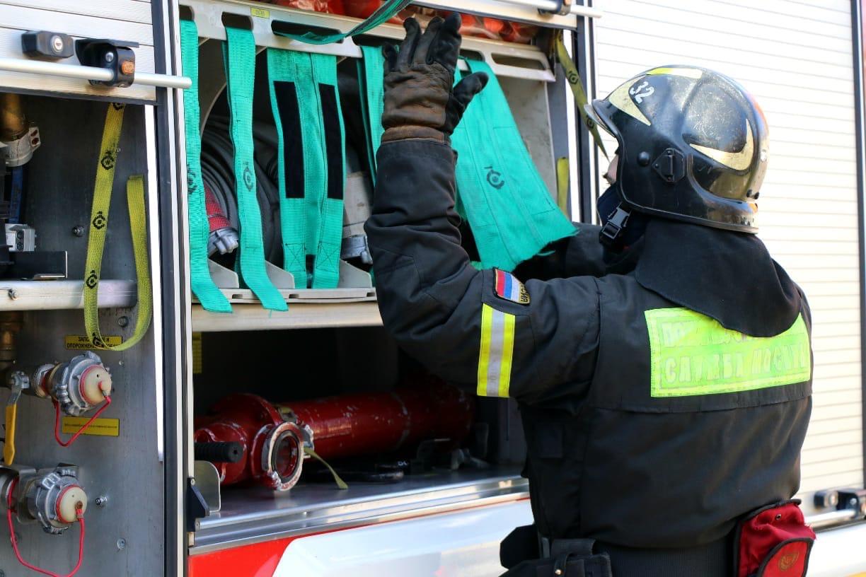Неосторожное обращение с огнем превращает самый добрый и волшебный праздник Новый год в самый пожароопасный праздник!!!