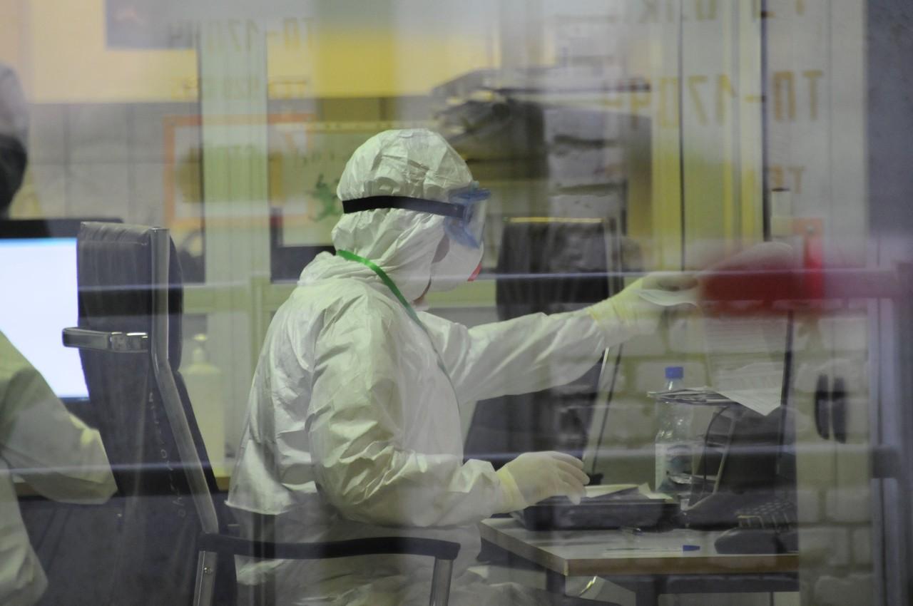 Еще 1,2 тысячи случаев коронавируса зафиксировали в Москве за сутки