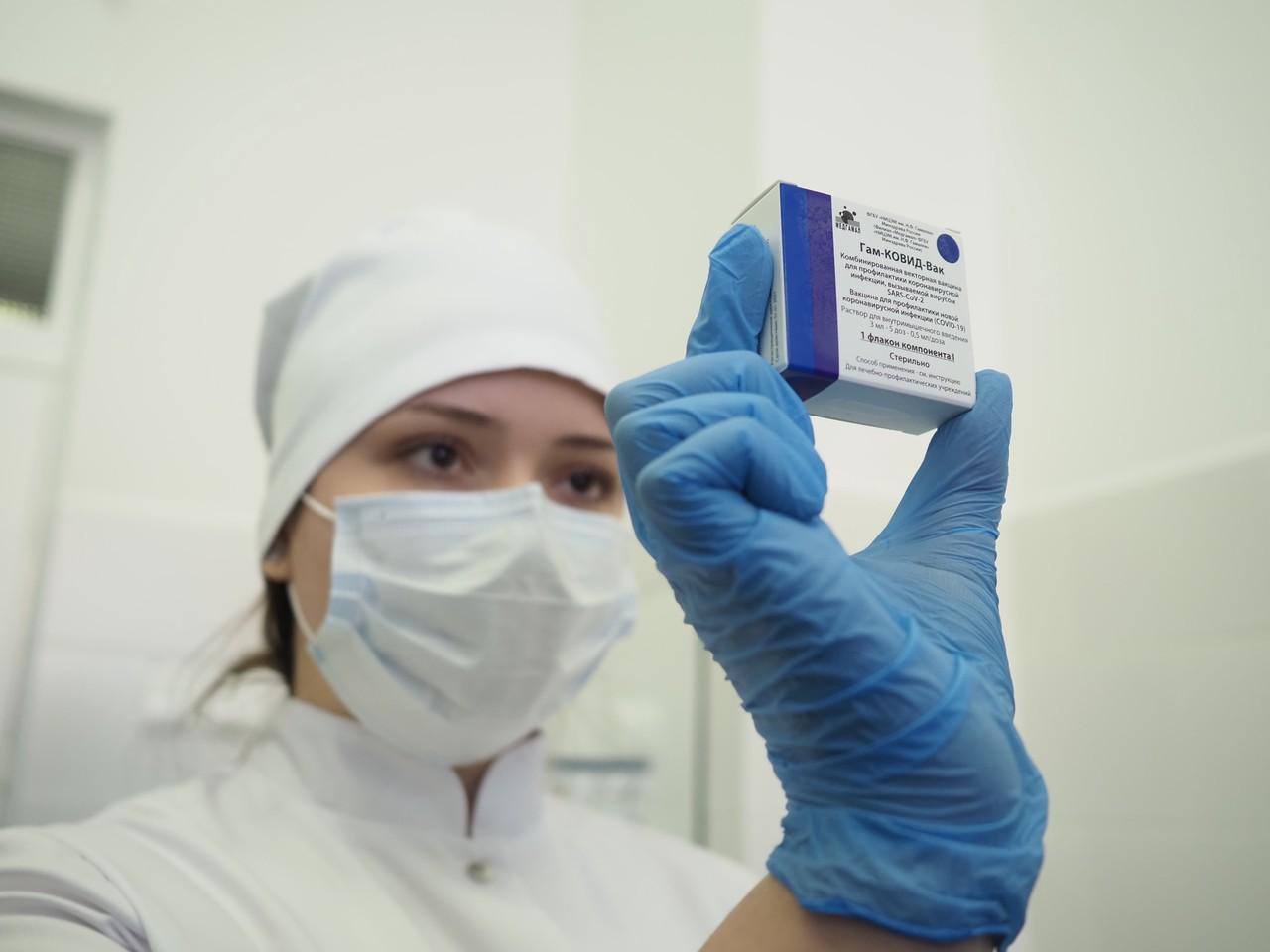 Пункты вакцинации от коронавируса заработали в двух торговых центрах на юге Москвы