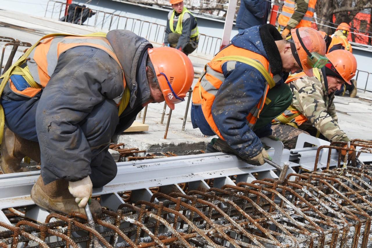 Путепровод через МЦД-2 начали строить на дублере Люблинской улицы