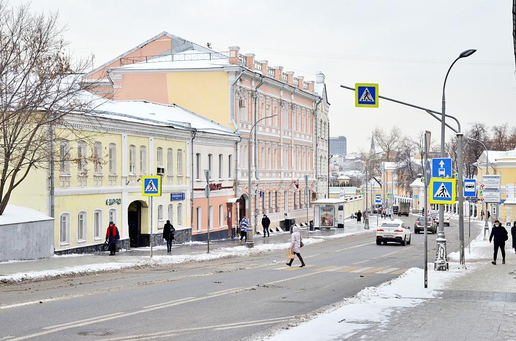 Облачную погоду с небольшим снегом ожидают в Москве. Фото: Анна Быкова, «Вечерняя Москва»