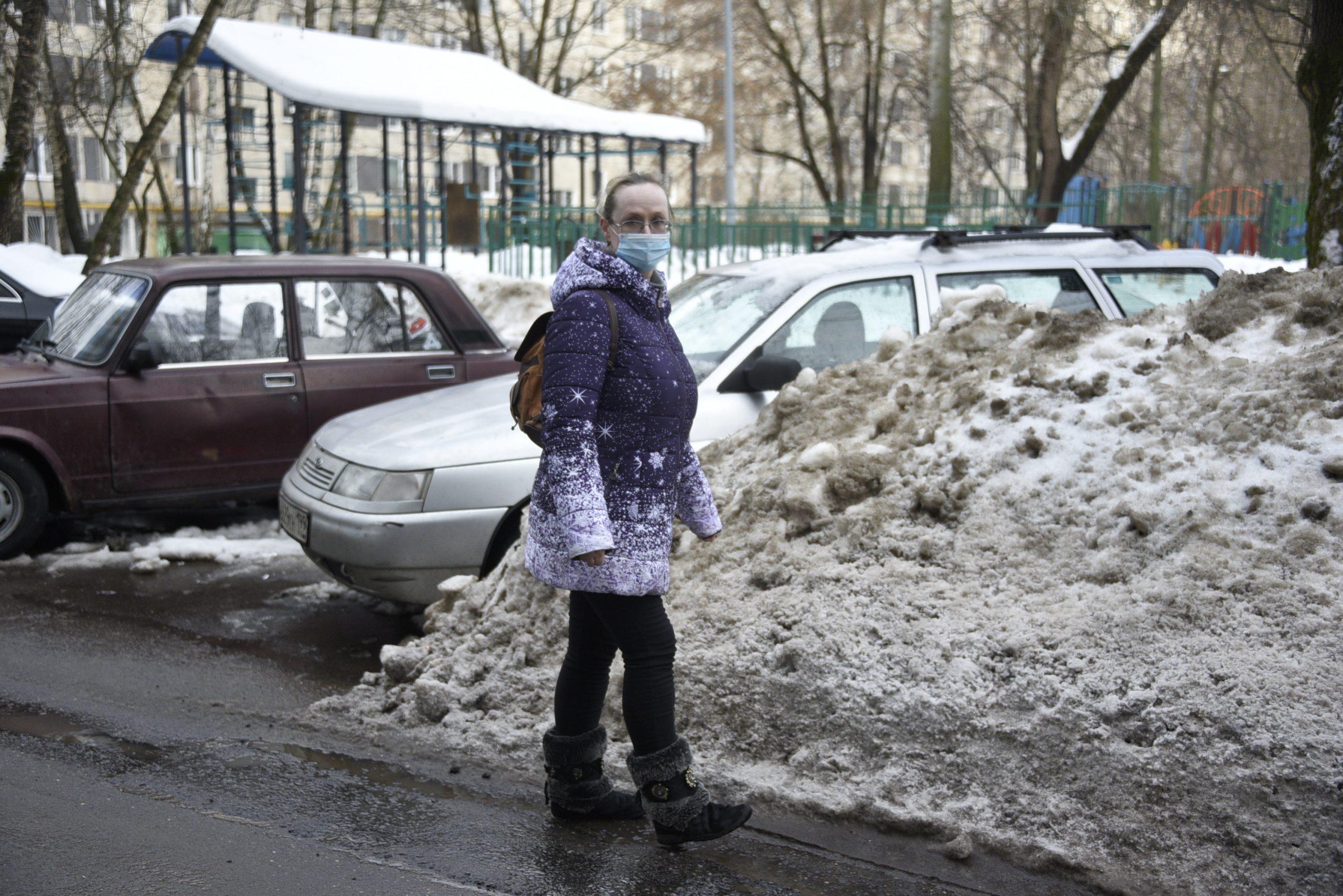 Машину освободили из снежного плена
