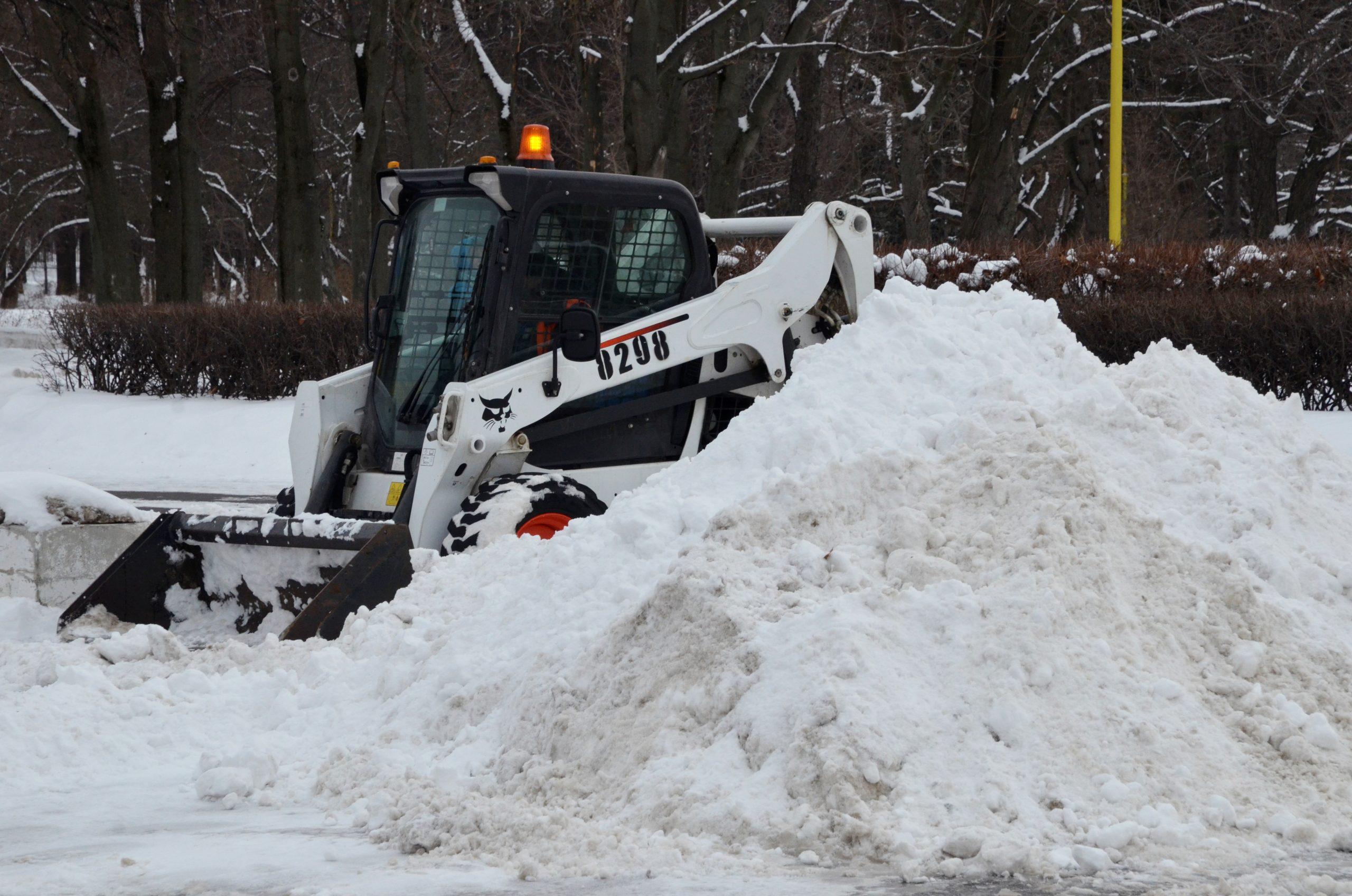 Более миллиона кубических метров снега убрали с улиц столицы