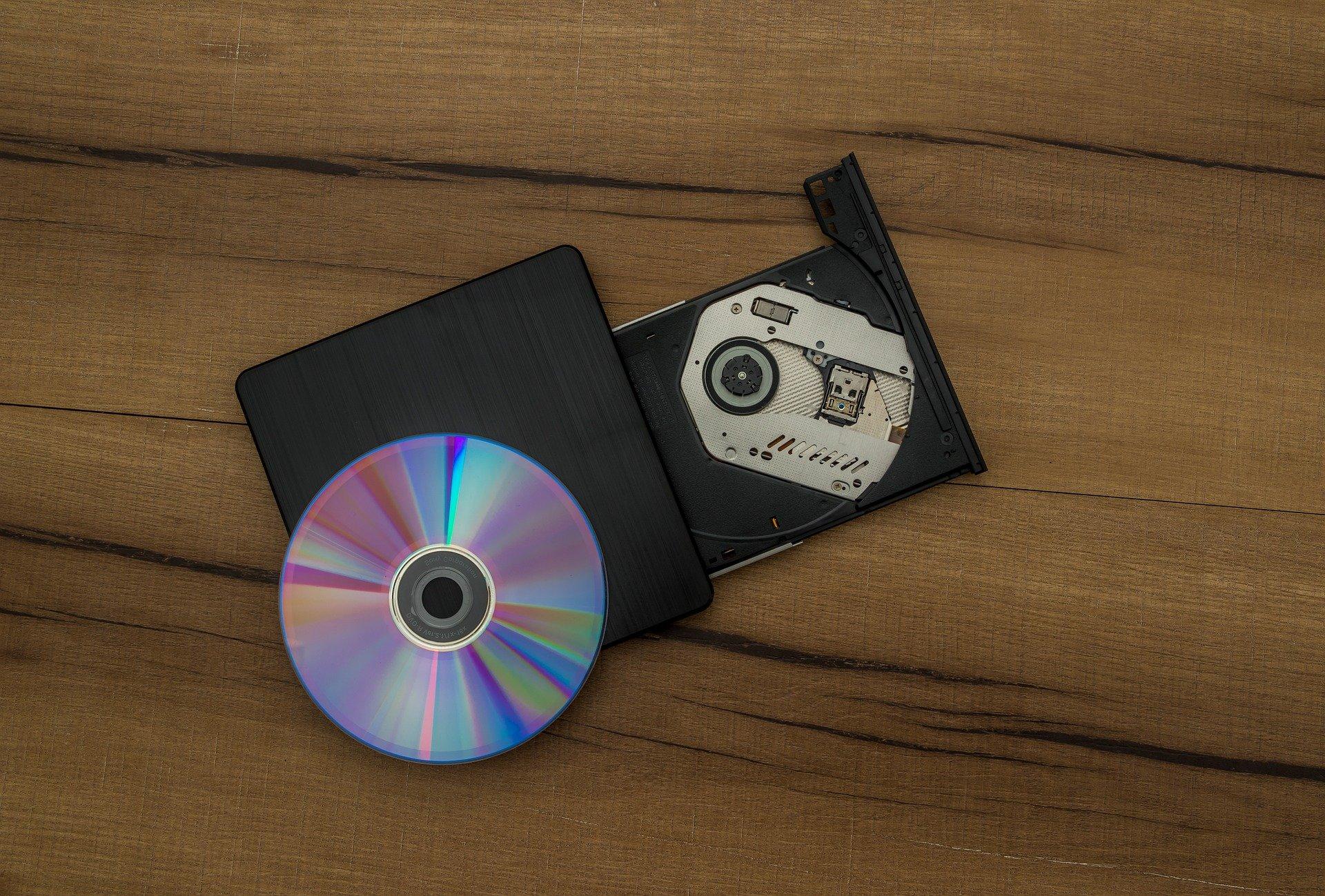 В Москве по решению суда уничтожено более 2 млн контрафактных дисков