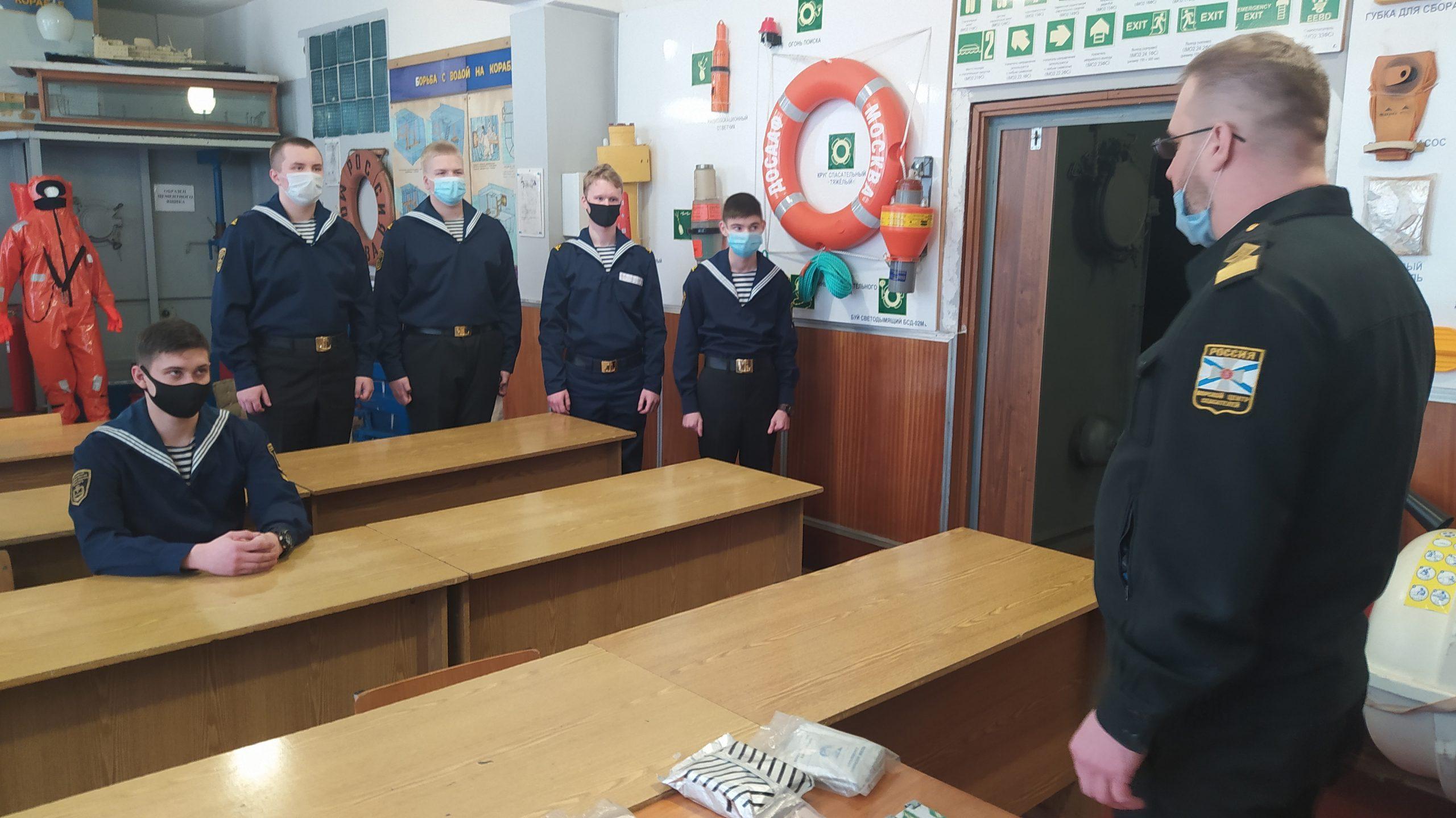 Москвичам рассказали о начальной военной подготовке курсантов колледжа водного транспорта
