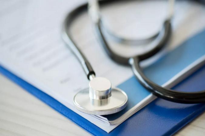 Вакцинация от коронавируса в США станет общедоступной в лучшем случае к лету