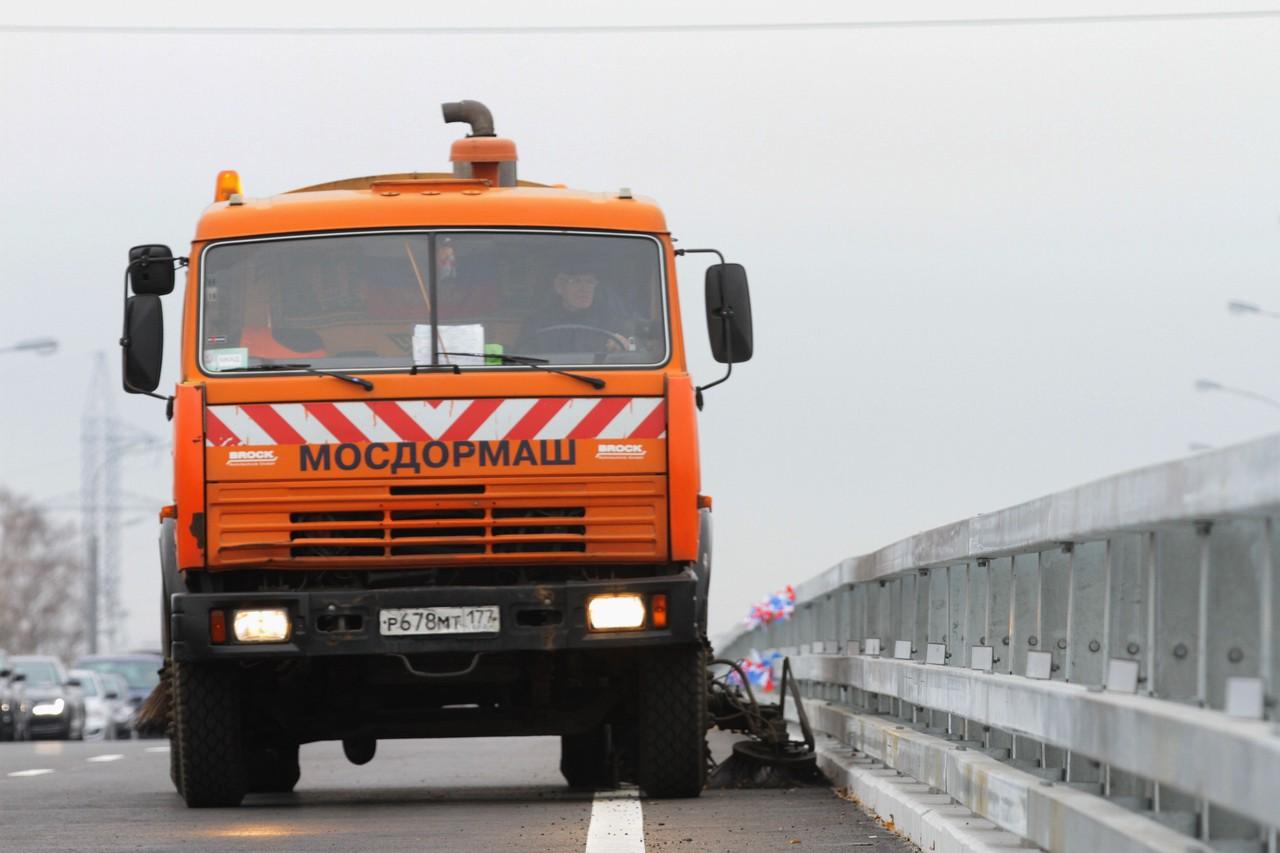 Новые ограничения для грузовиков на МКАД отложили на месяц