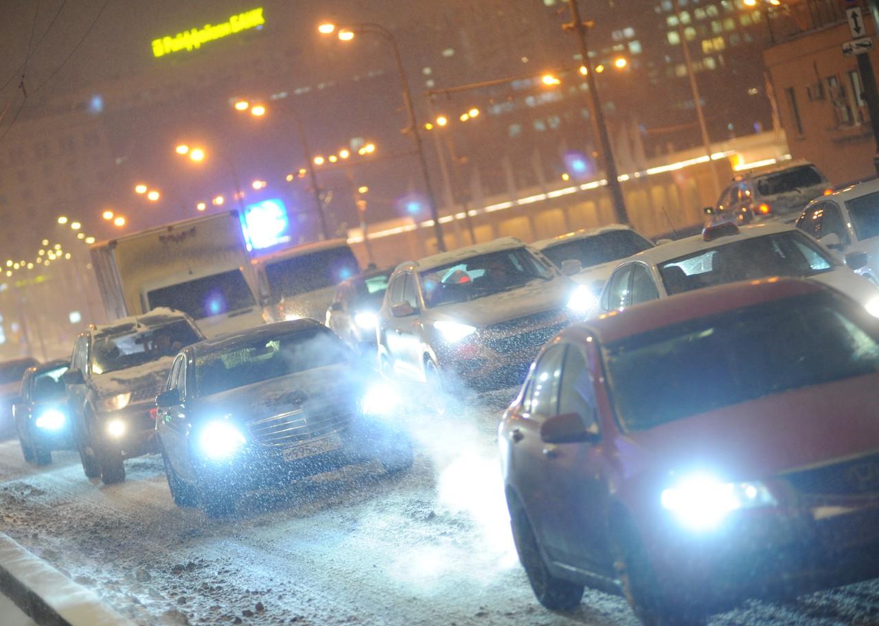 Московских водителей призвали к внимательности из-за непогоды
