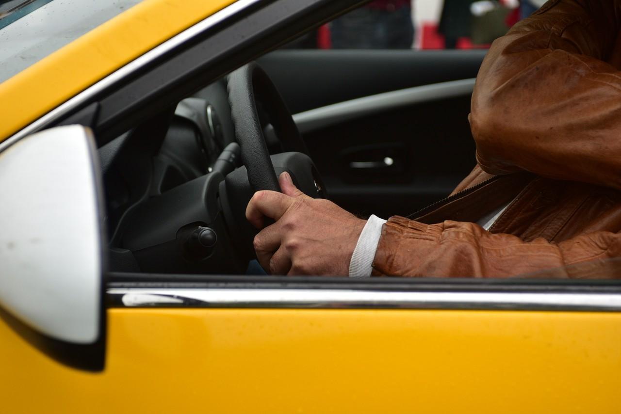 Таксистам Москвы присвоят ID-номера в 2021 году