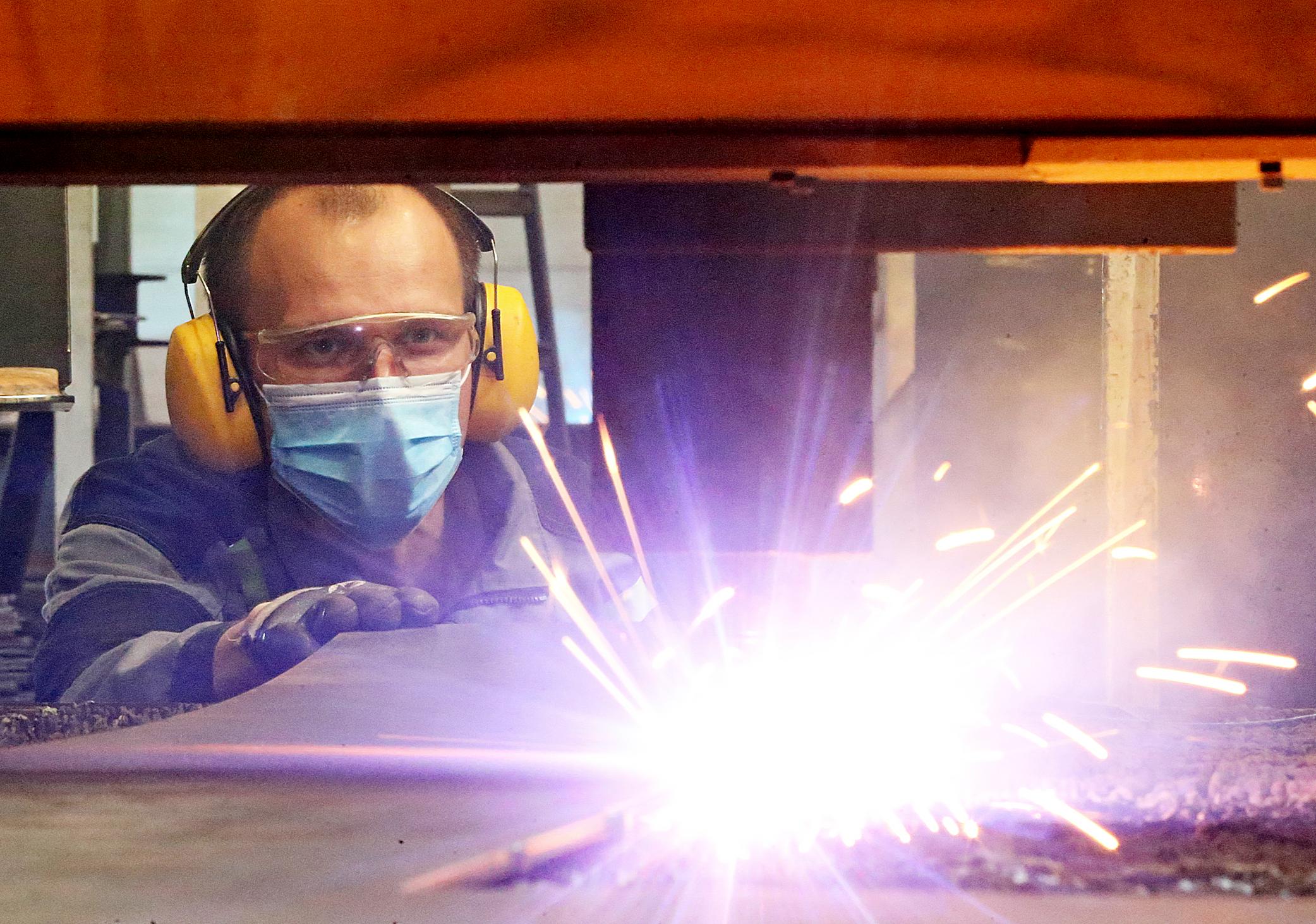 Продукцию будут изготавливать из листовой стали. Фото: Виктор Хабаров