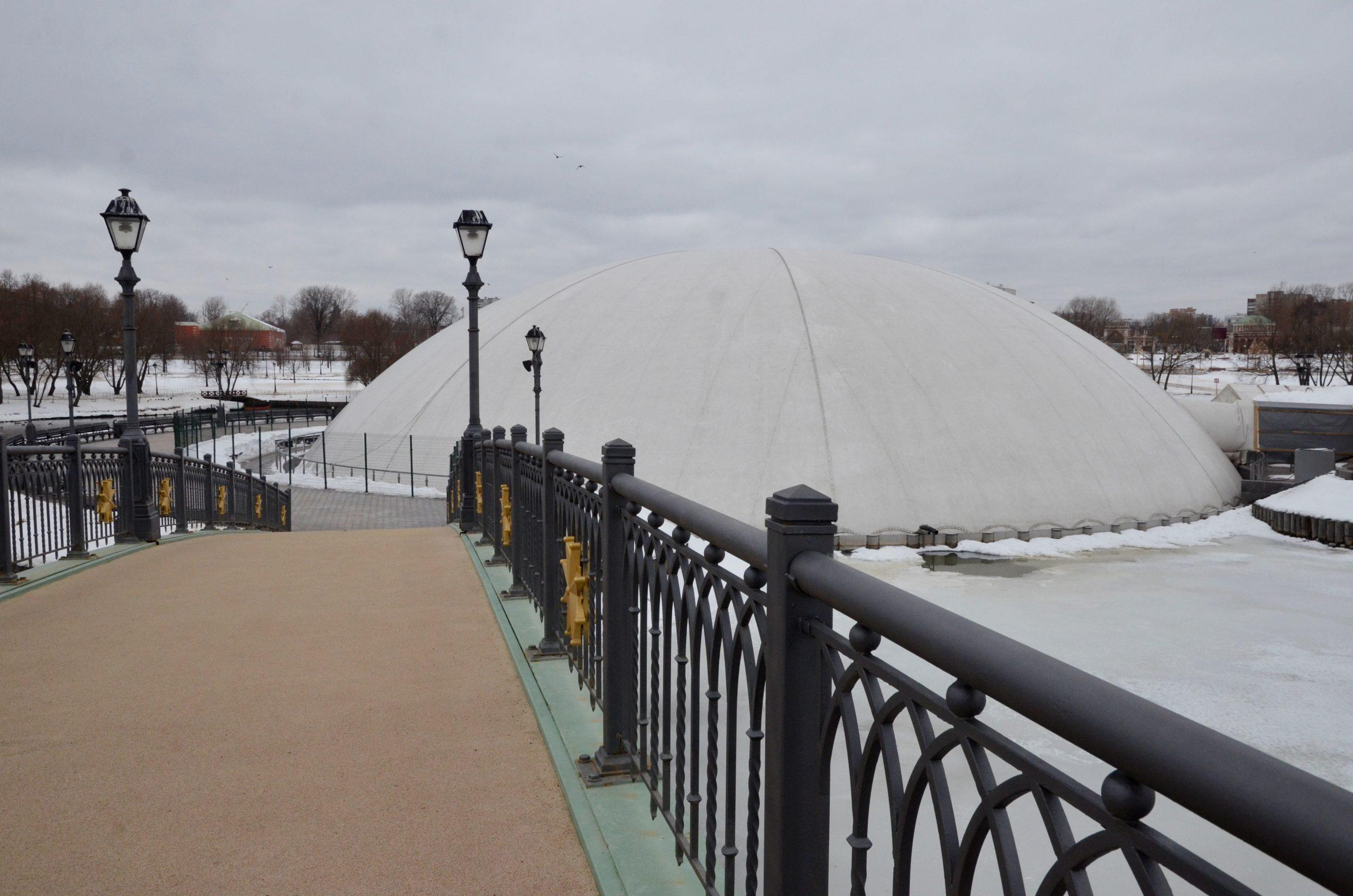 Защитный купол над фонтаном в «Царицыне» уберут в среду