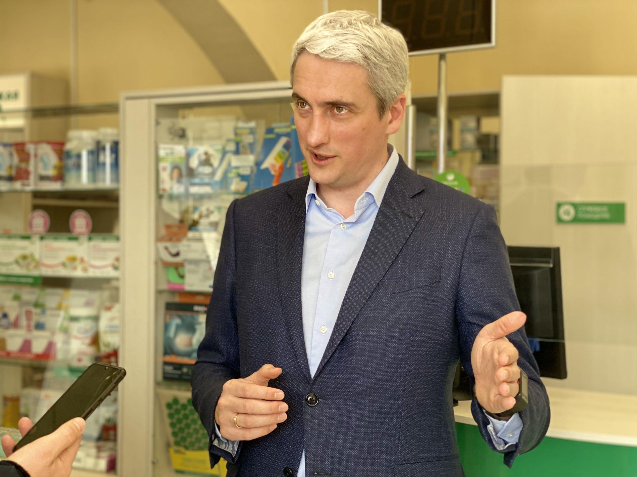 Член Общественной палаты РФ Евгений Нифантьев провел акцию по оплате лекарств пенсионерам