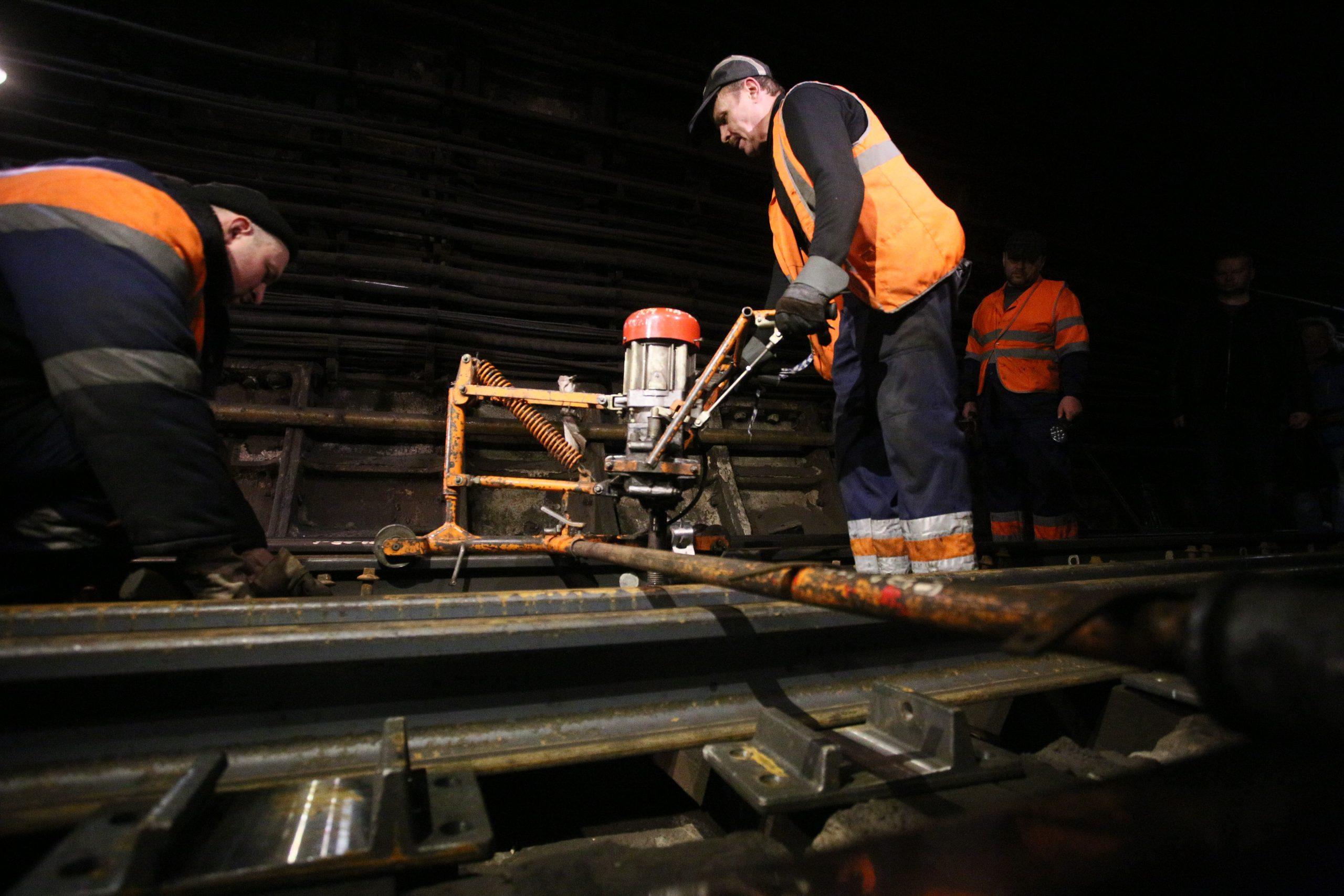Метро Москвы возобновит движение по закрытому участку оранжевой линии на три дня раньше