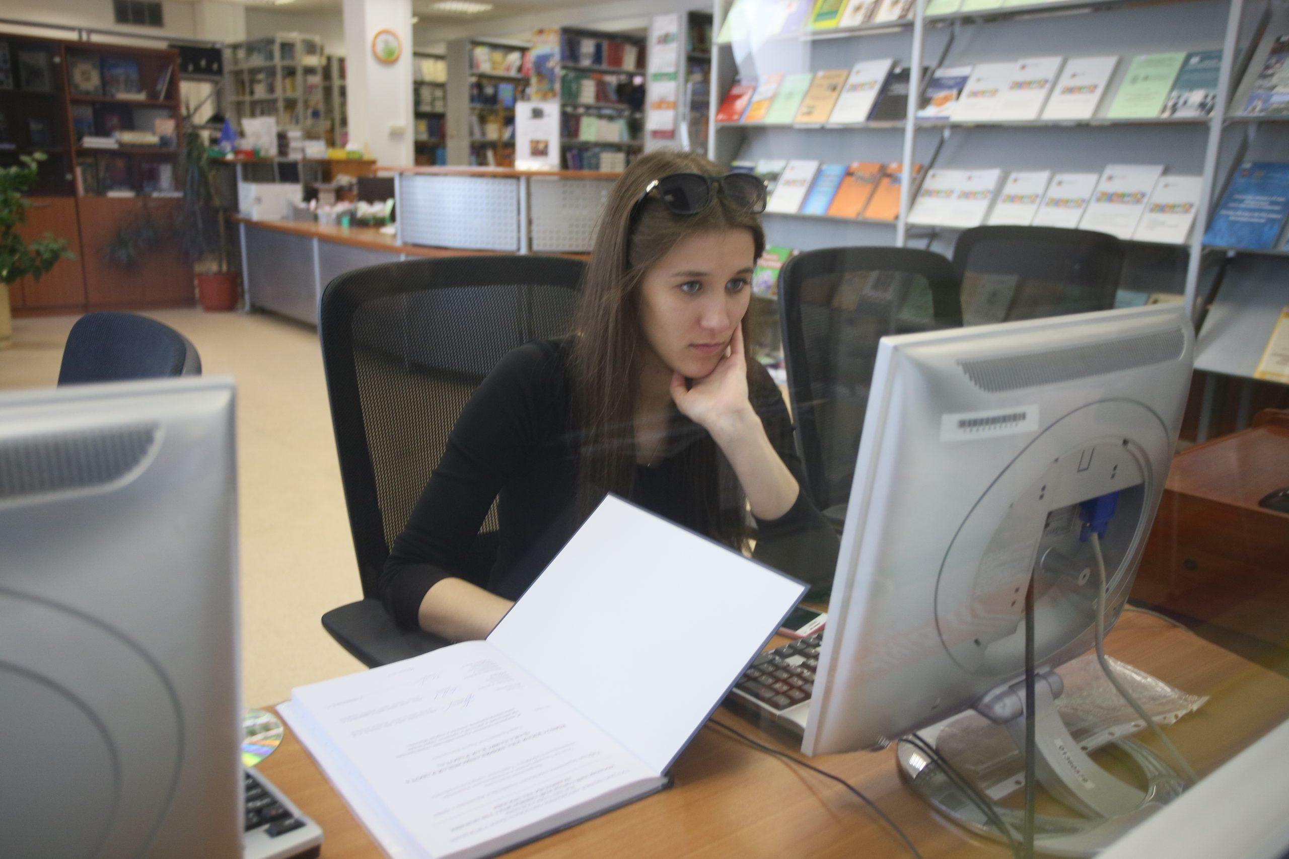 Тематическую выставку организовали сотрудники Главного архивного управления Москвы