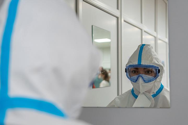 Более 1400 случаев заражения COVID-19 подтвердили в Москве за сутки