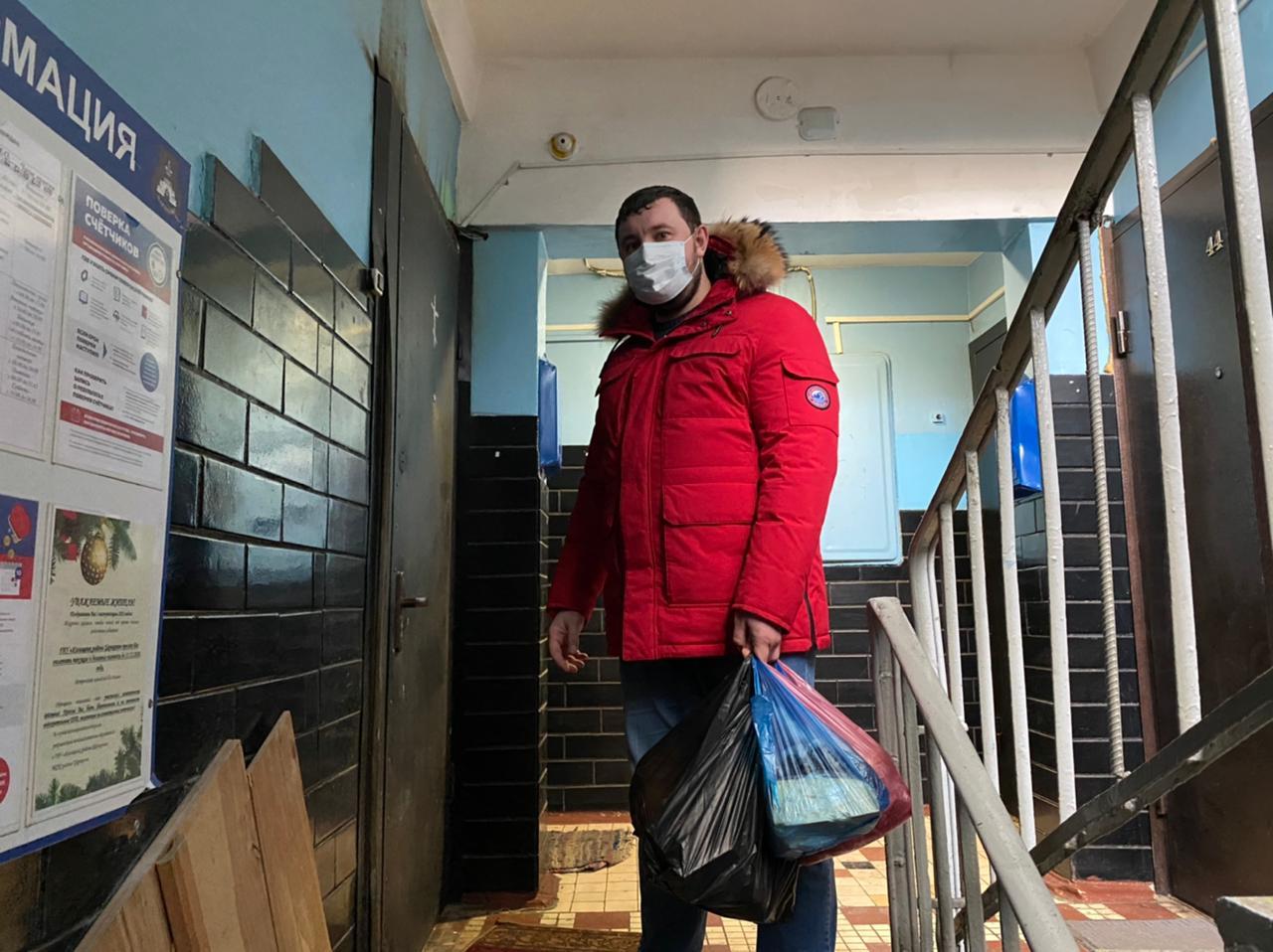 Мосволонтер: глава Царицына продолжил помогать местным жителям