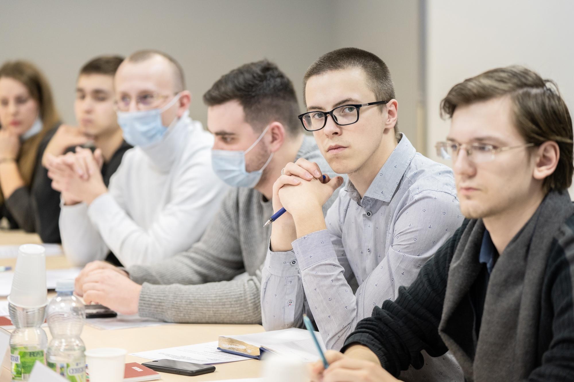 Молодые парламентарии обсудили планы на 2021 год