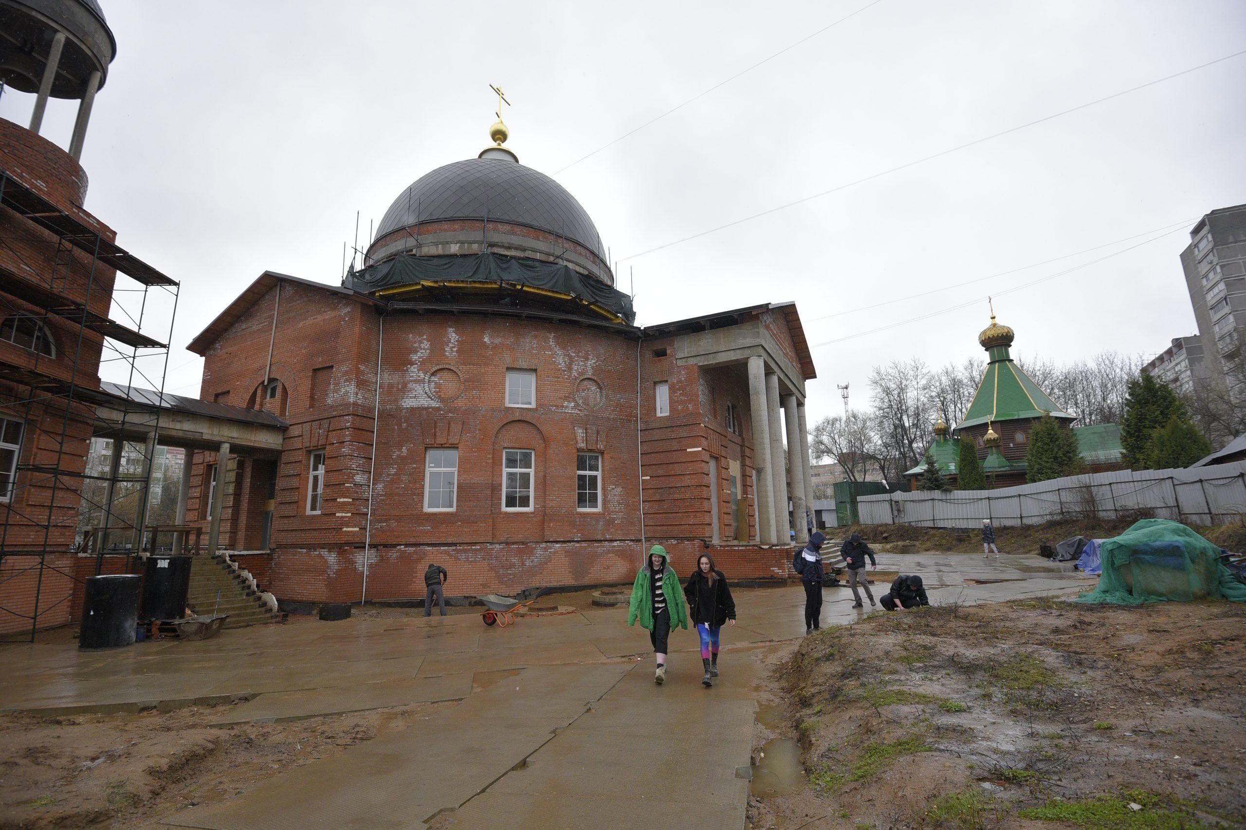 Храм возле дома