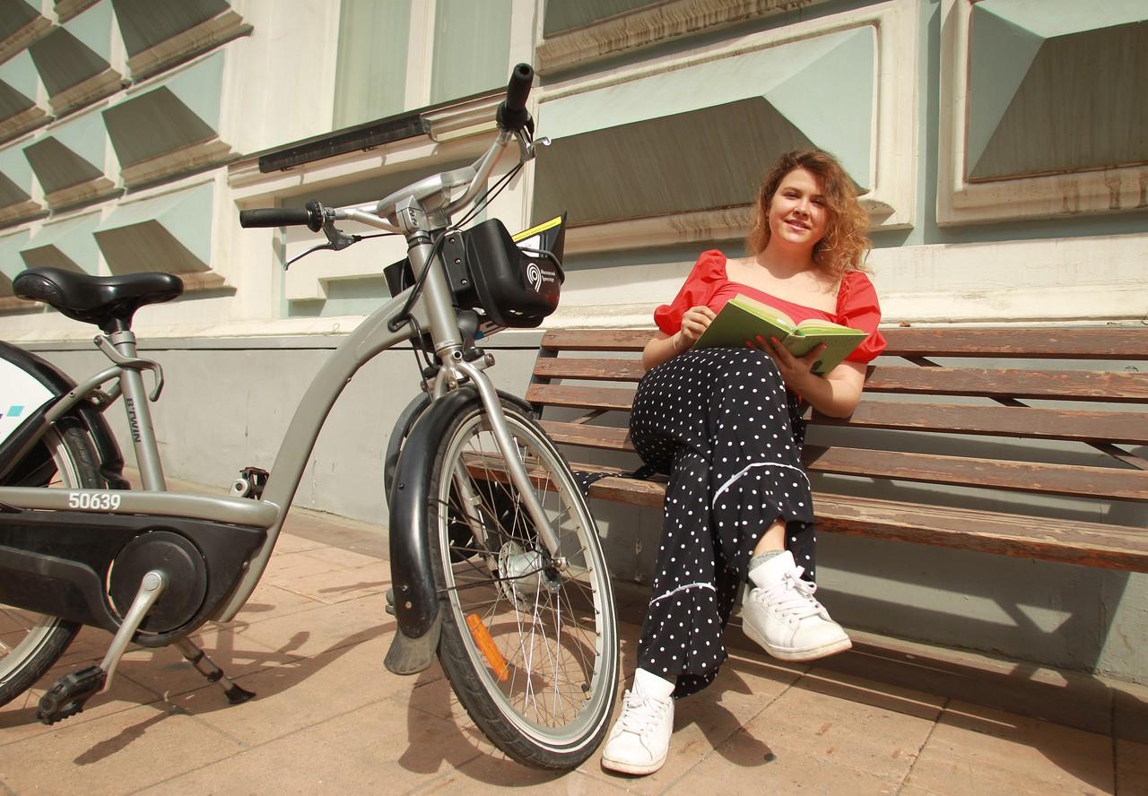 Прокат самокатов и велосипедов открылся на ВДНХ