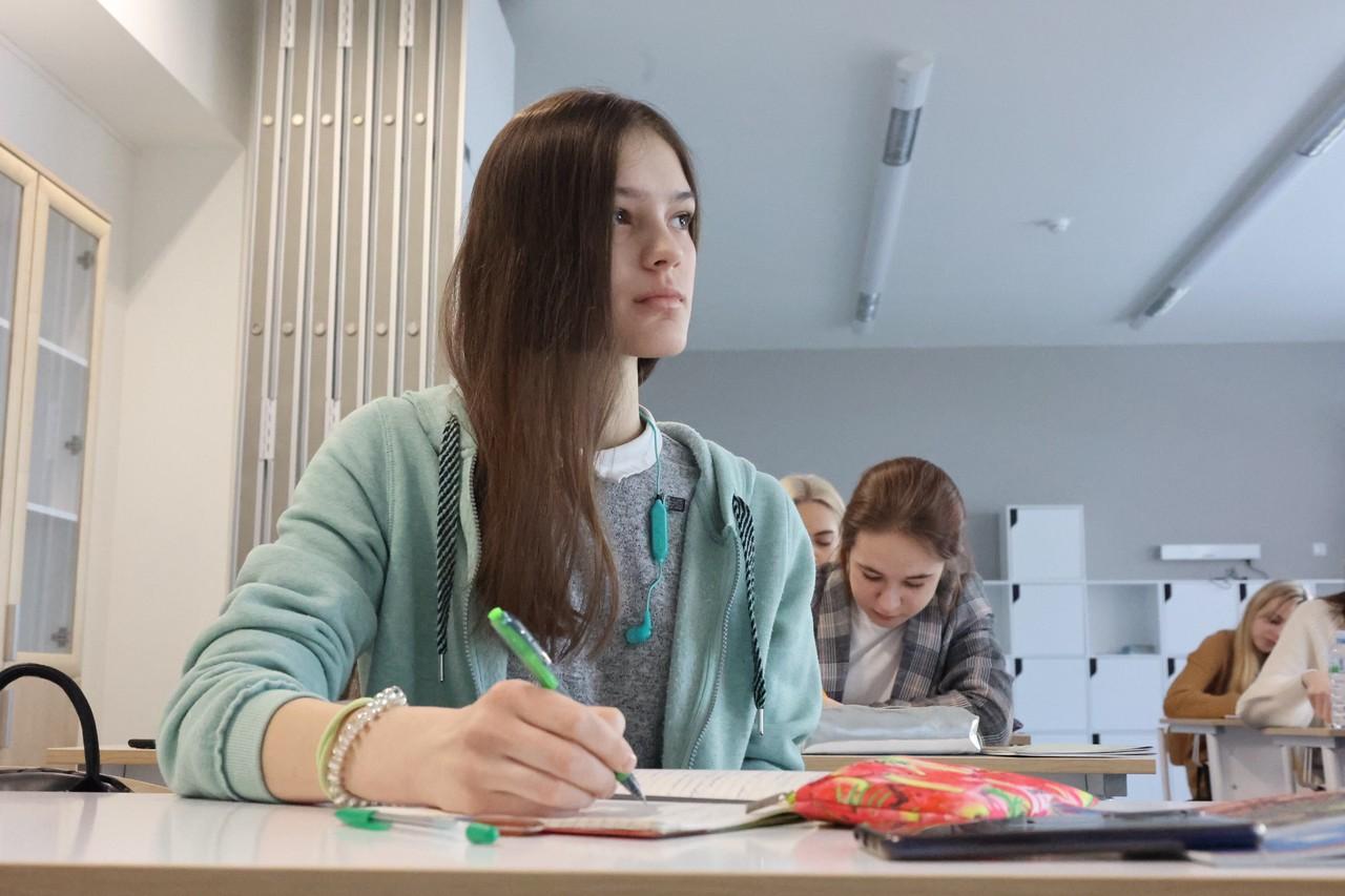 Профильные классы по искусственному интеллекту откроются в школе на юге Москвы