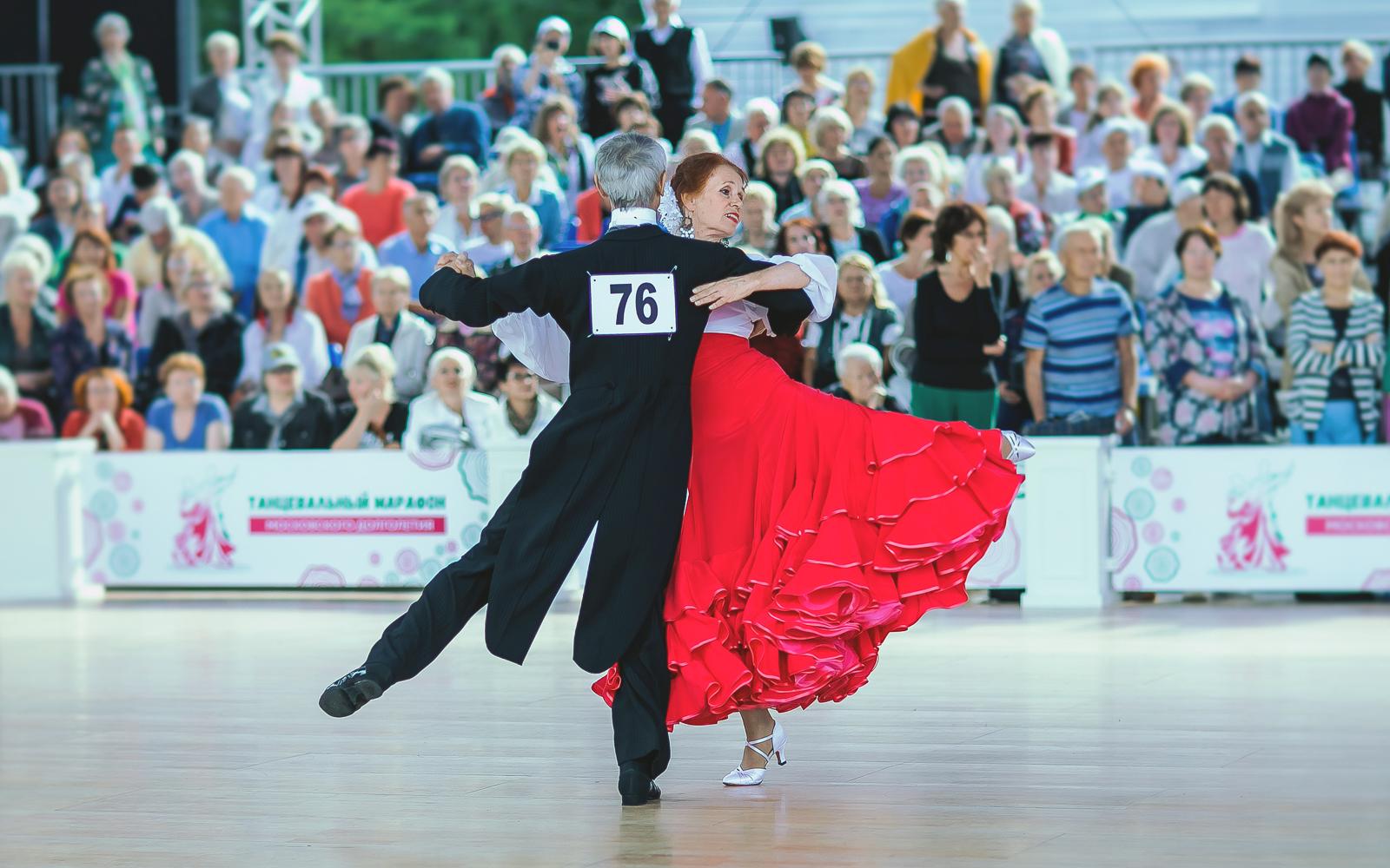 300 танцевальных групп занимаются онлайн