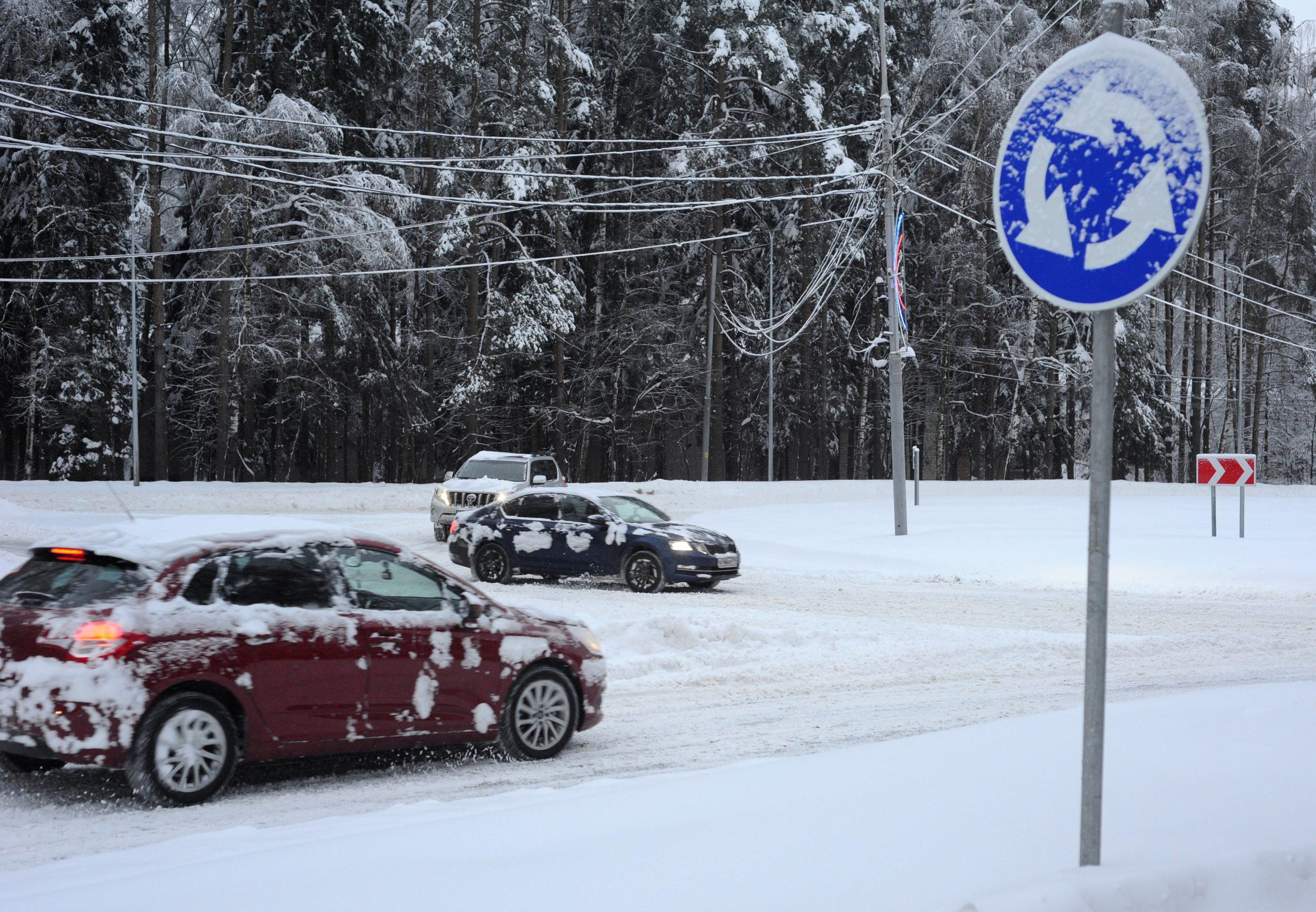 Московских водителей напугали метелью во вторник