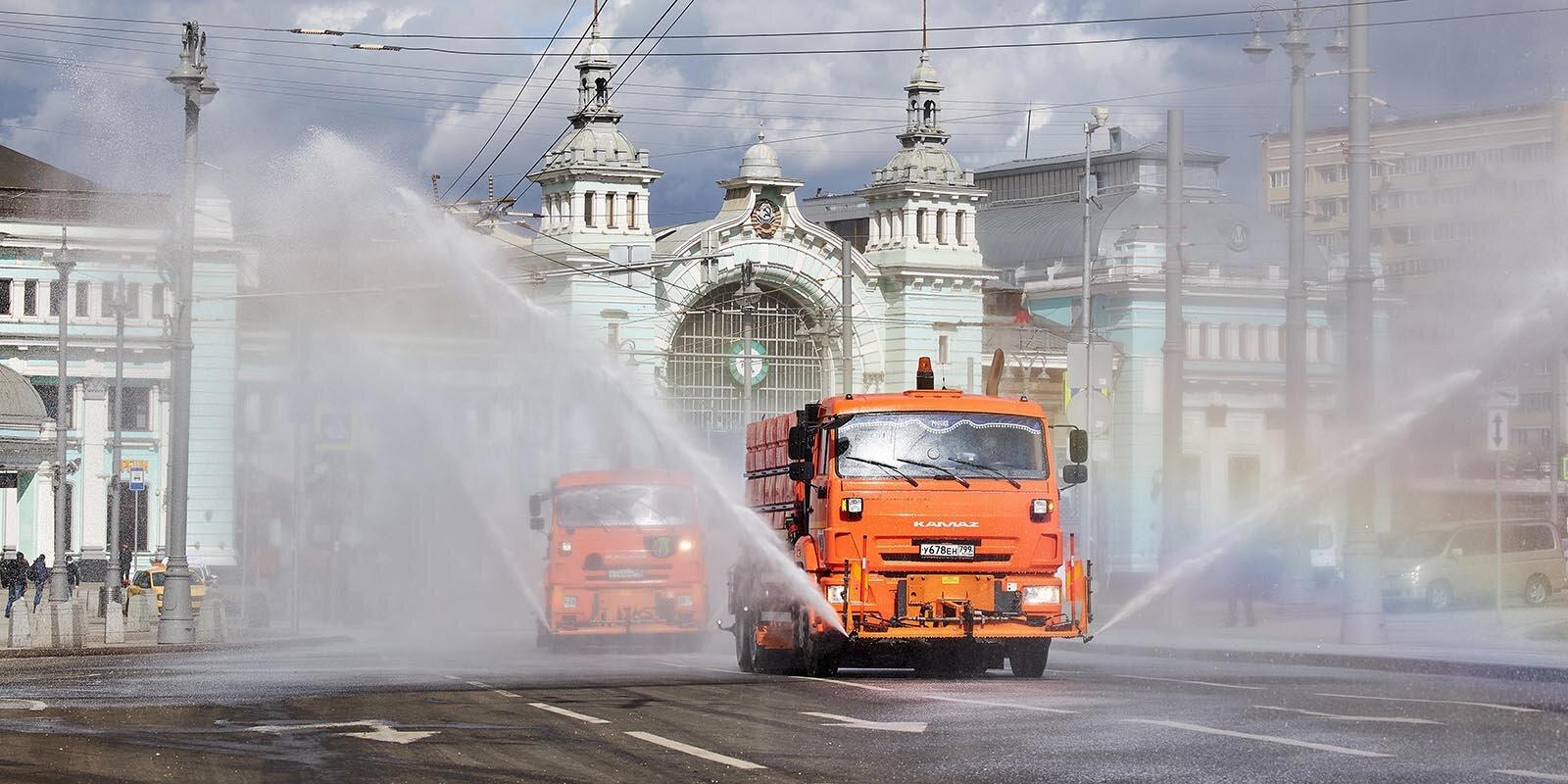 Москвичей пригласили принять участие в едином городском субботнике