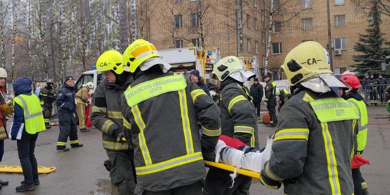 Сотрудники Московского авиацентра в апреле спасли 45 человек