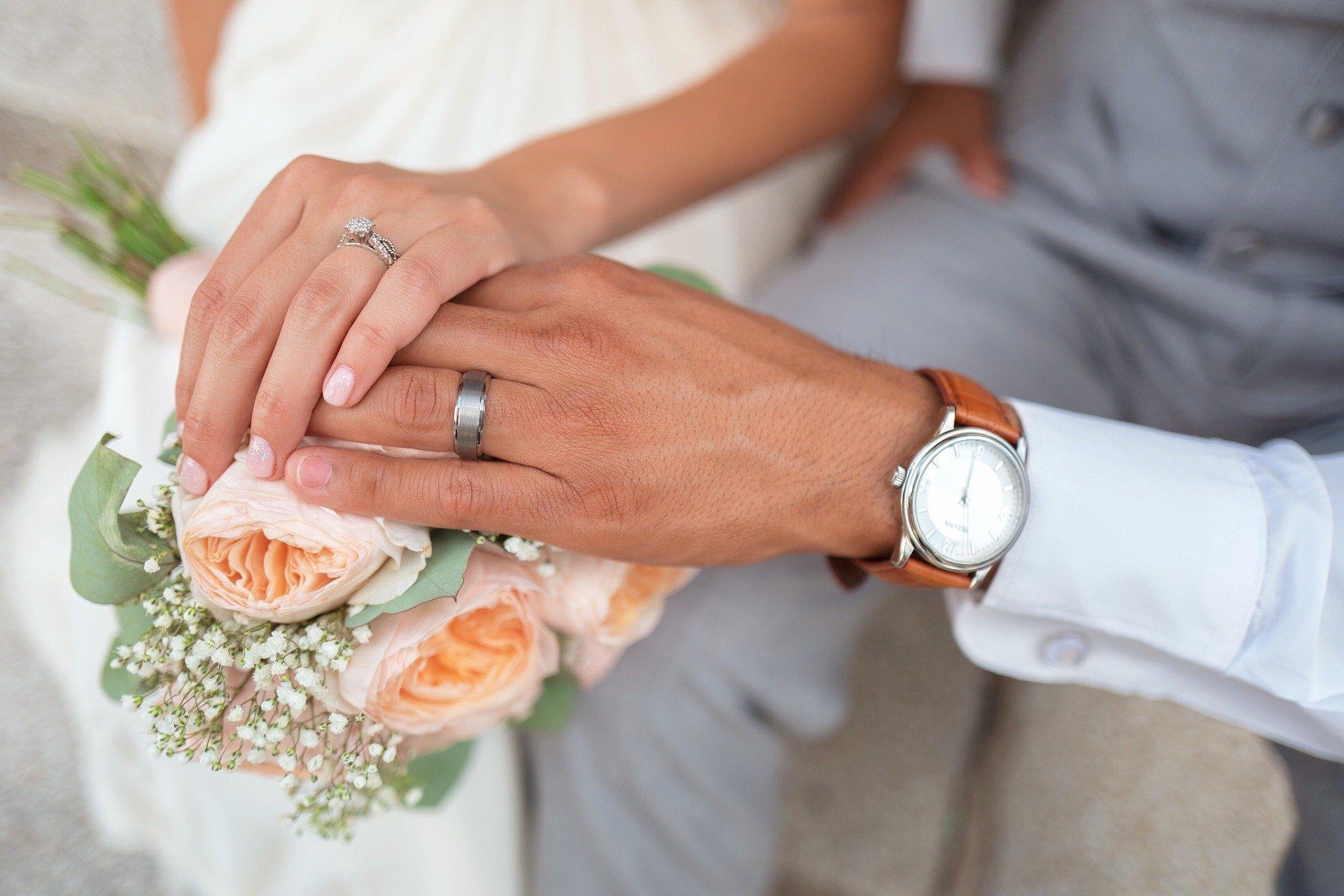 Свыше 160 пар поженятся в День России