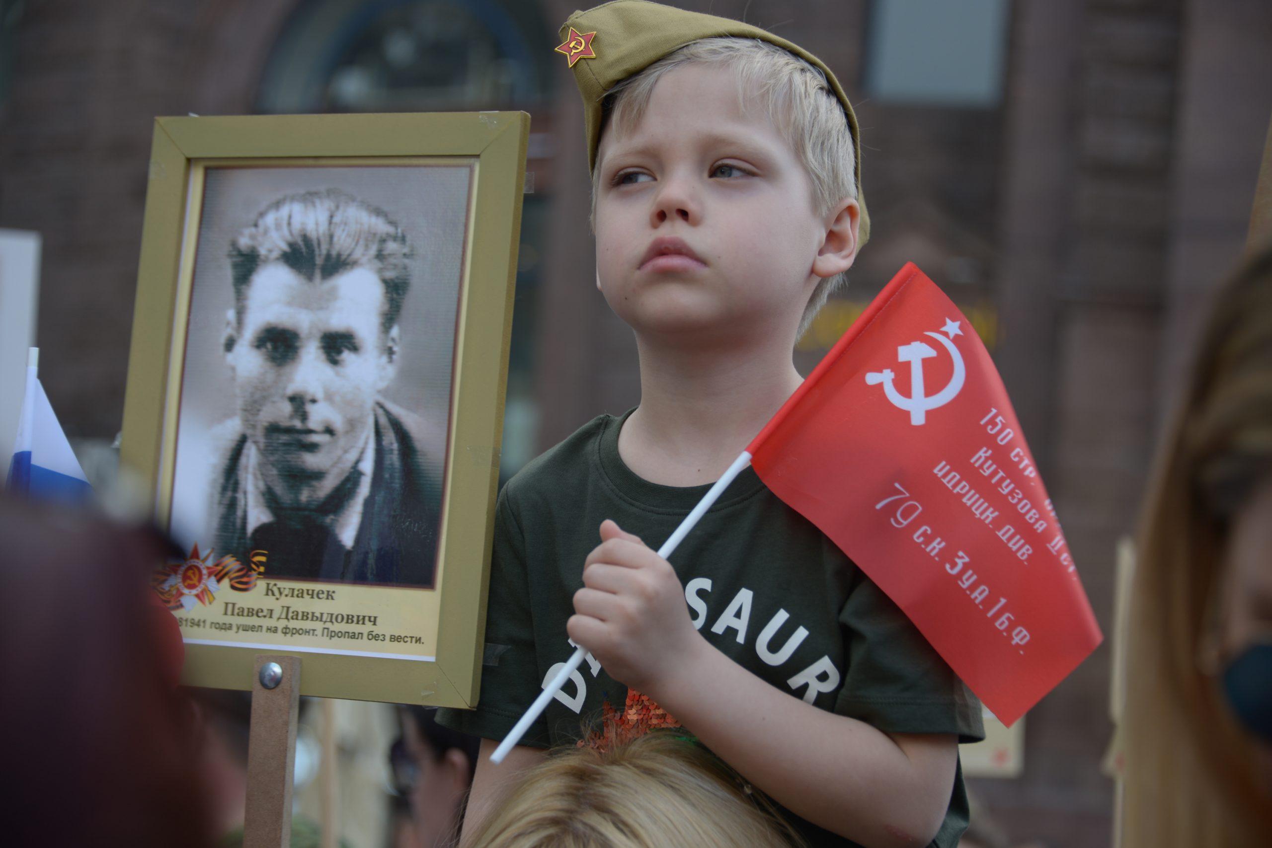 Более 600 пожарных и спасателей задействовали в Москве в День Победы