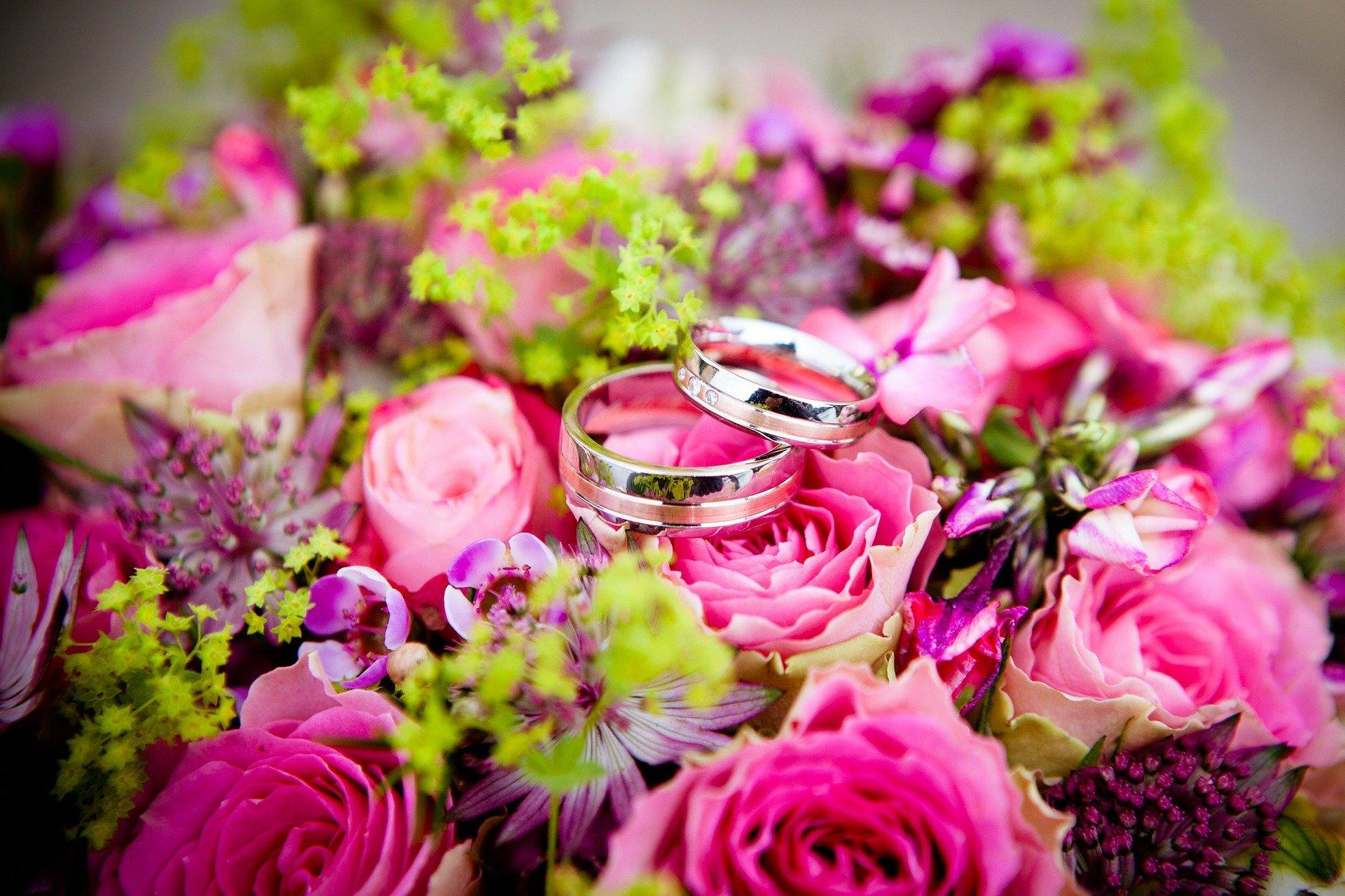 Москвичи смогут пожениться в центрах госуслуг