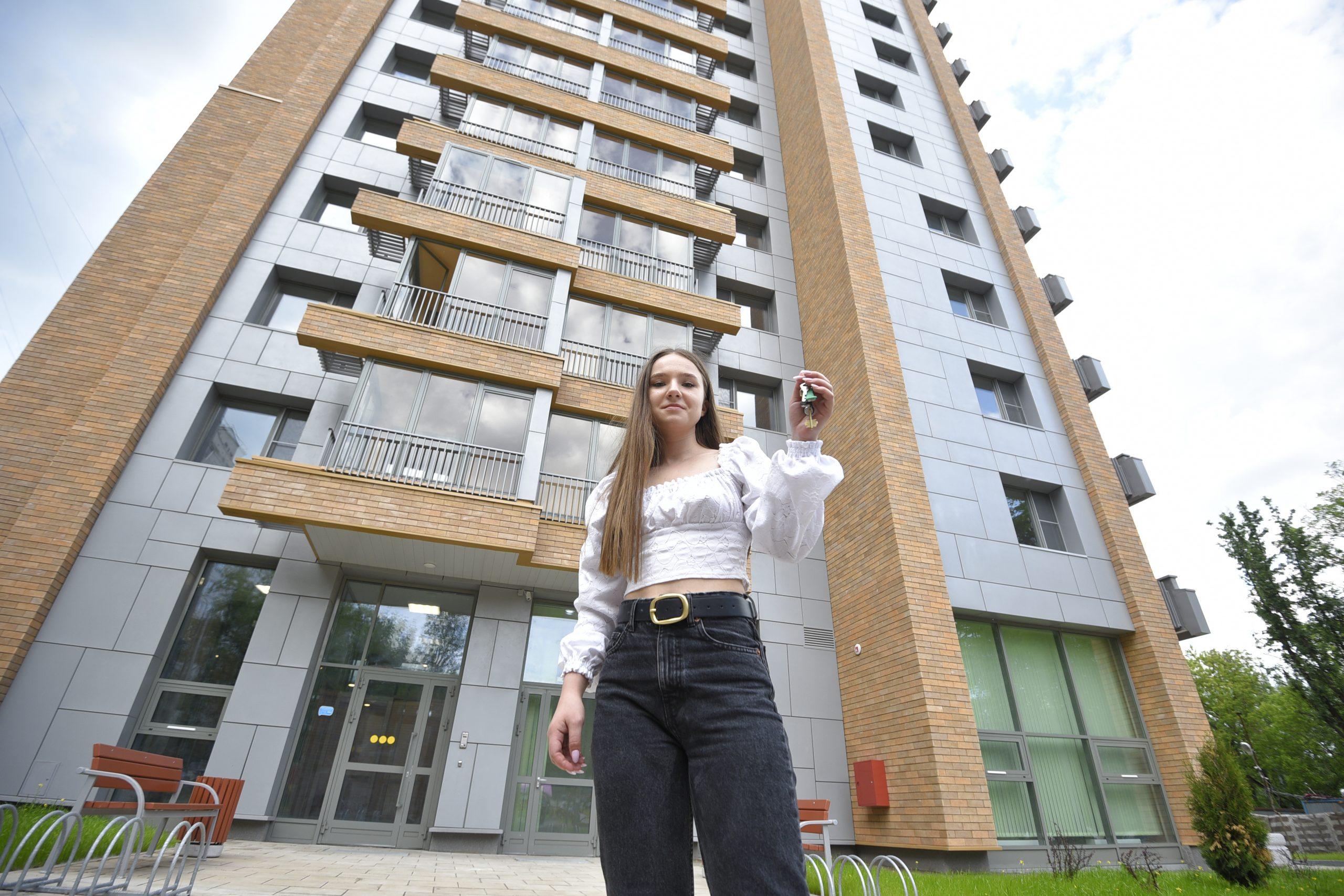 Жители шести районов переселяются в новые комфортабельные квартиры