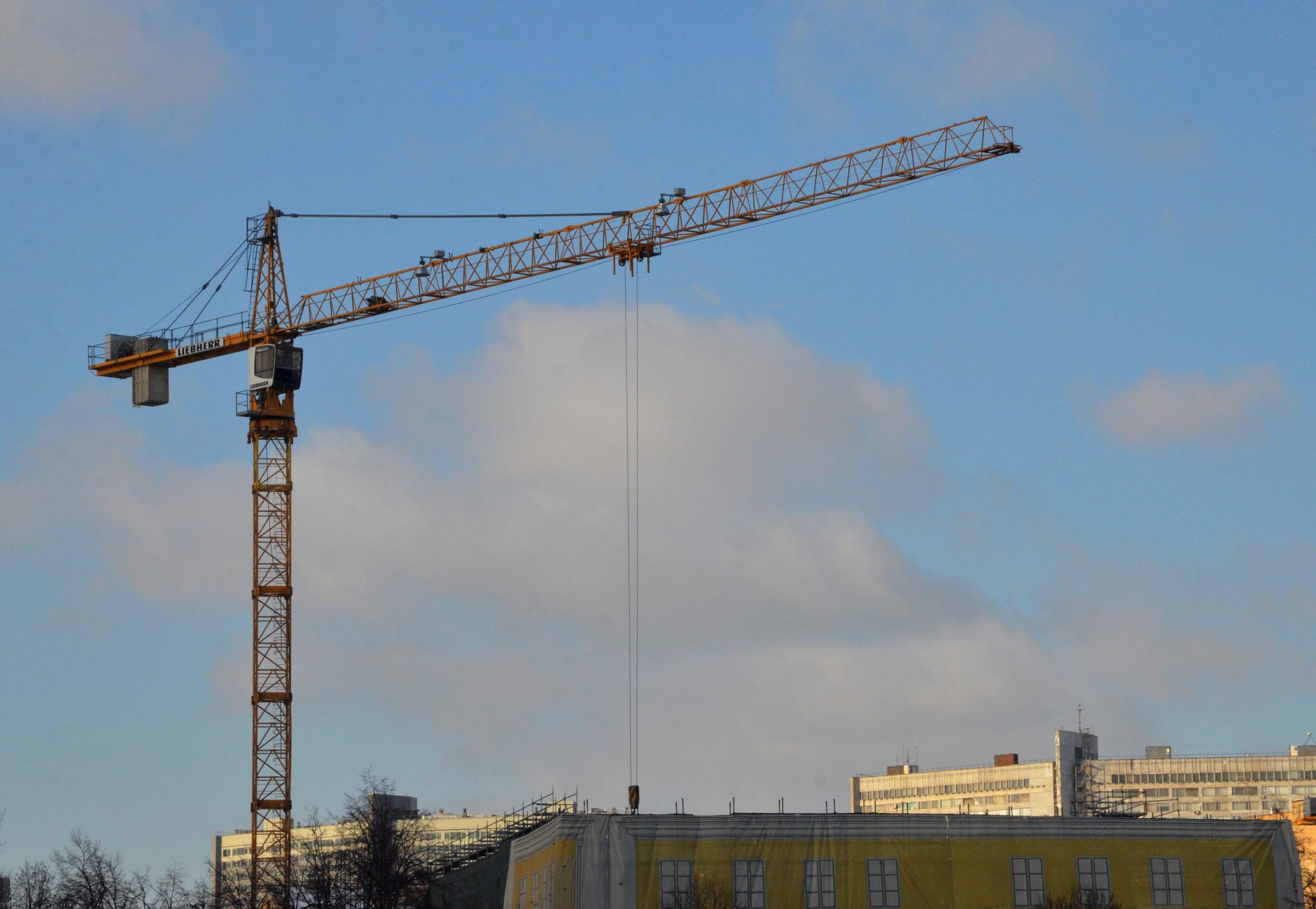 В Москве при возведении объектов образования стало бесплатным снятие запрета на строительство