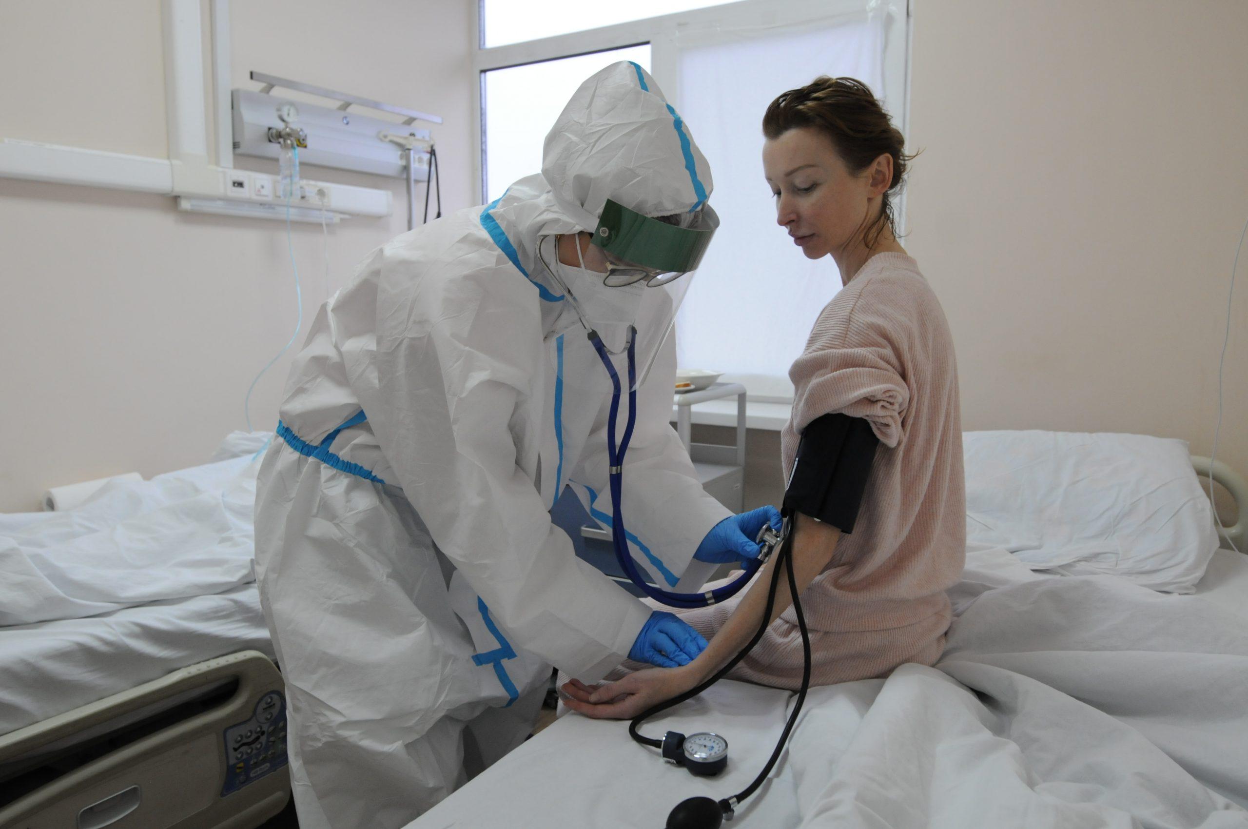 Медики Москвы зафиксировали 6590 новых случаев COVID-19. Фото: Светлана Колоскова, «Вечерняя Москва»