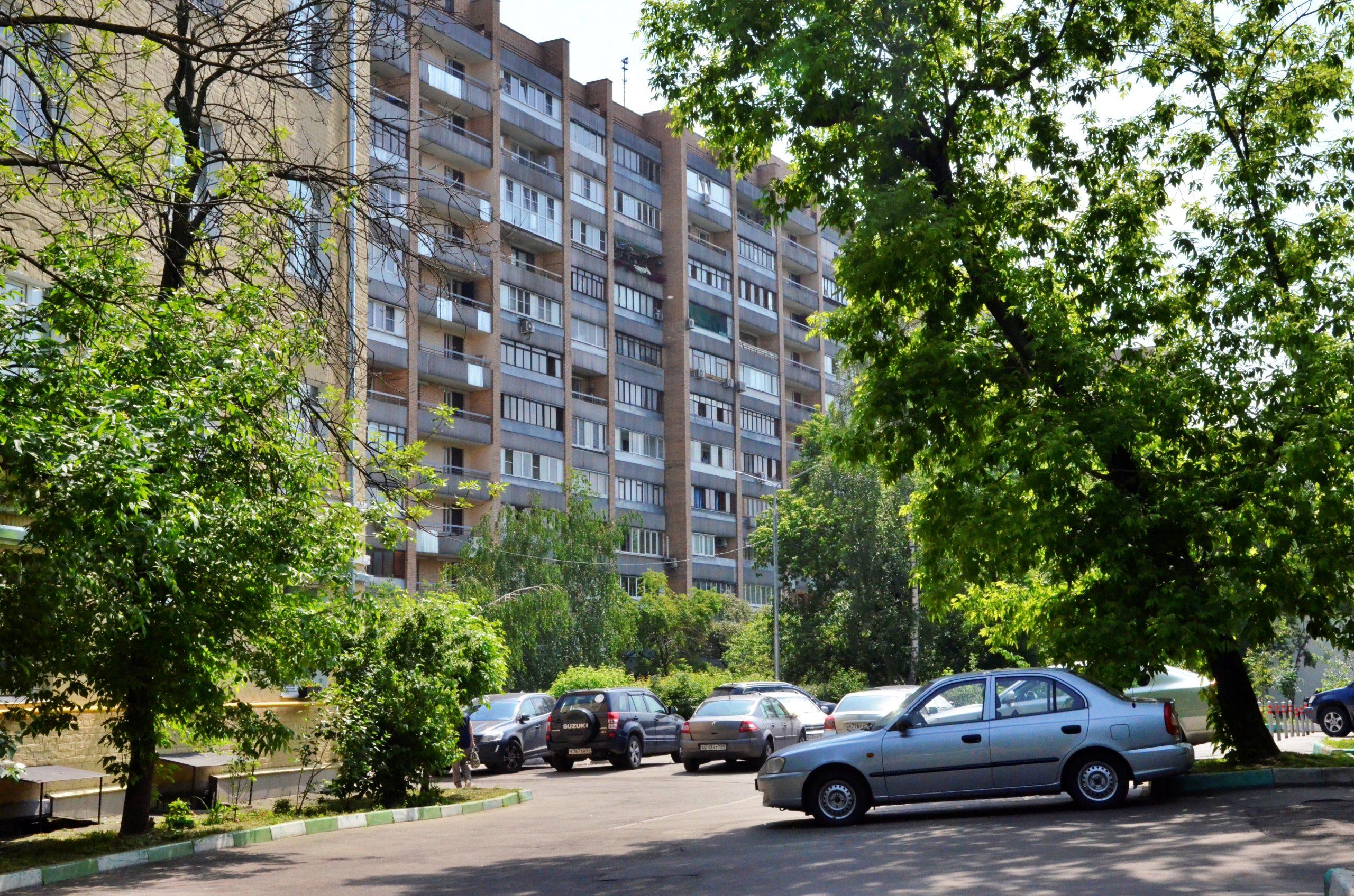 Свыше 100 парковочных мест для резидентов появилось на 11 улицах Москвы