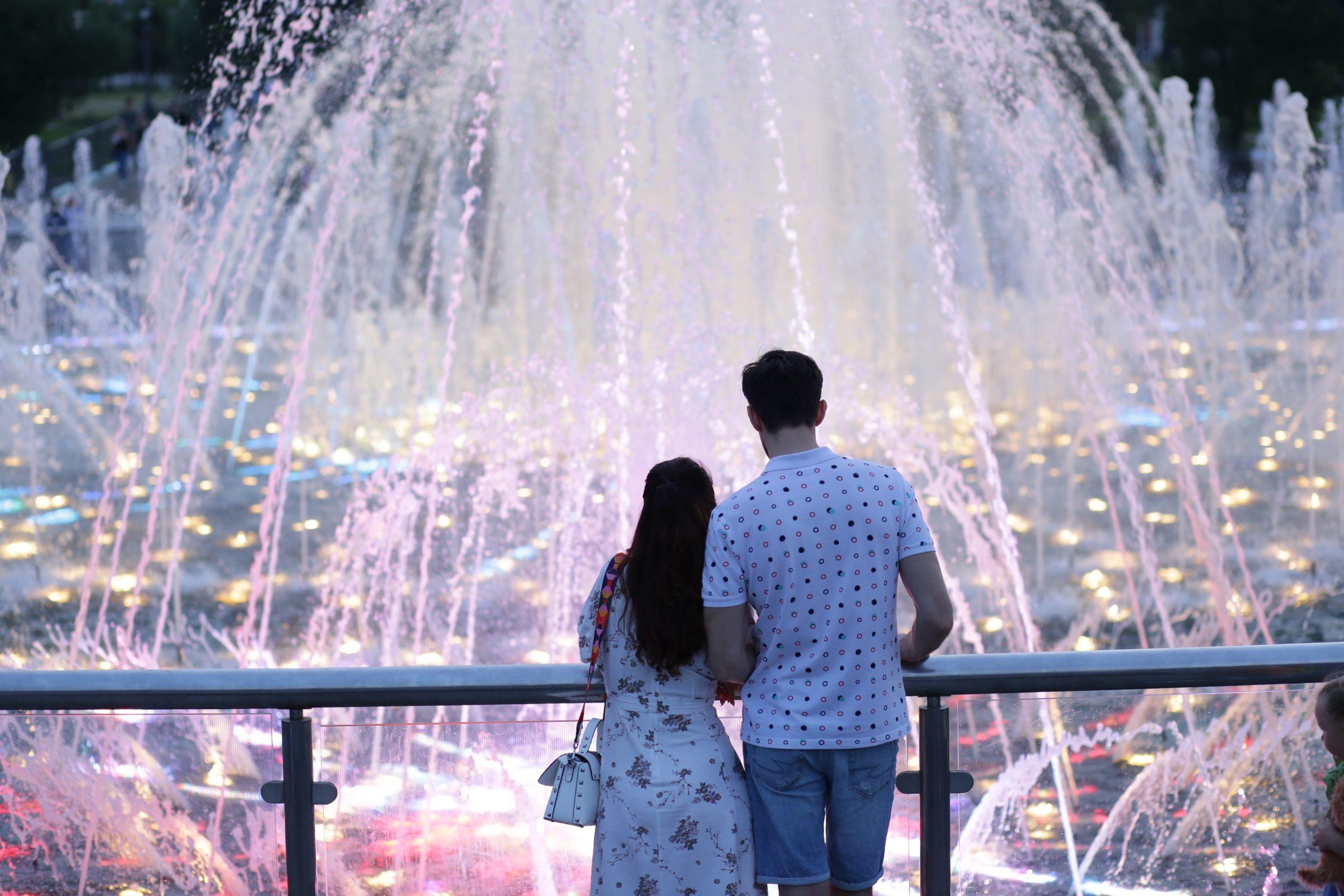 Фотофакт: Все цвета фонтана
